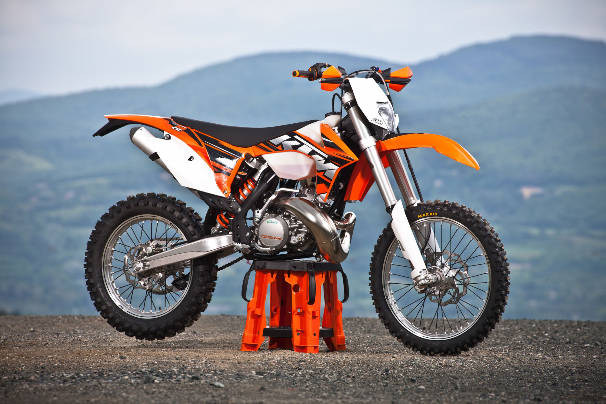 2013 ktm 300 exc review top speed. Black Bedroom Furniture Sets. Home Design Ideas