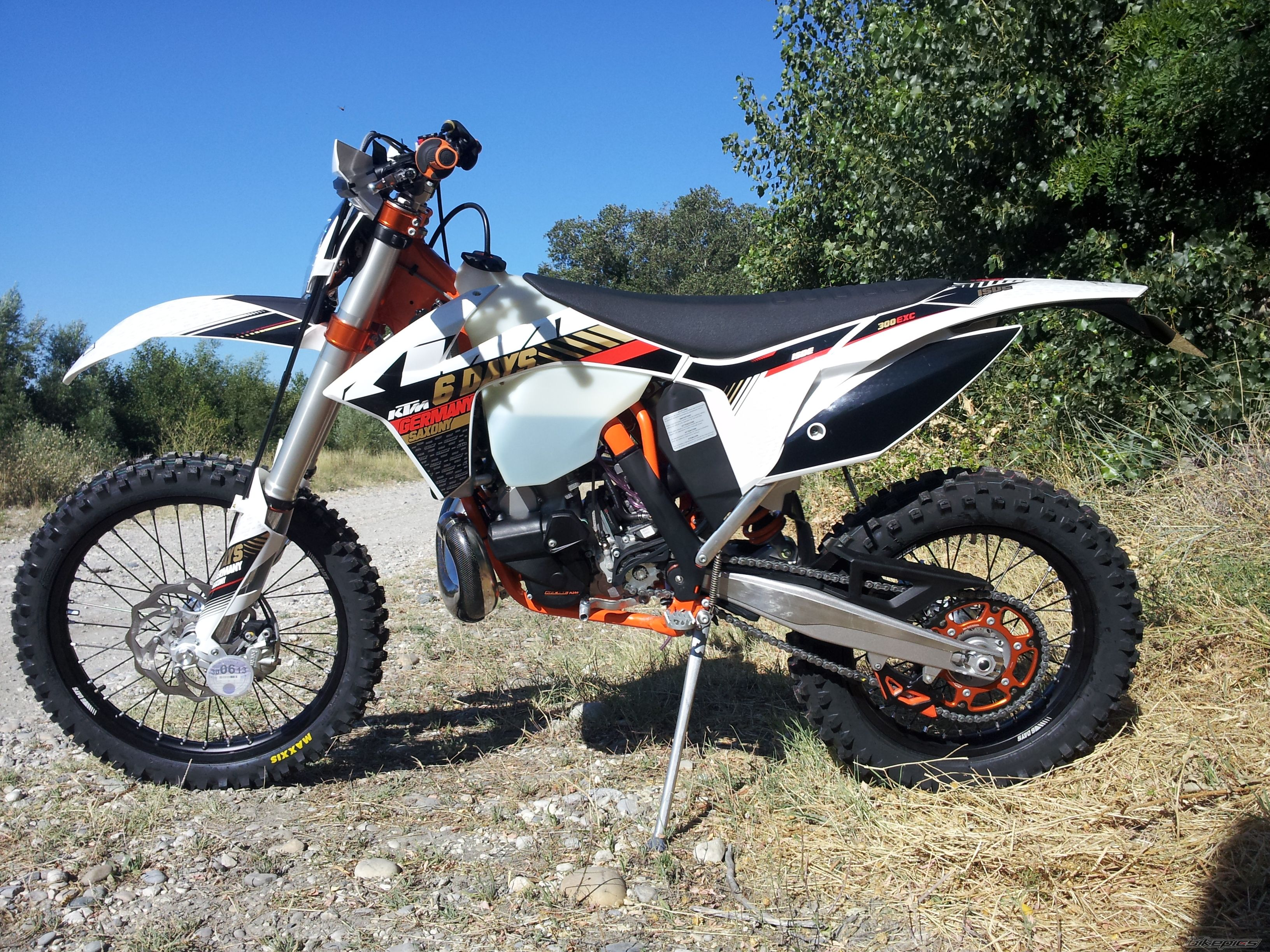 2013 ktm 300 exc six days review top speed. Black Bedroom Furniture Sets. Home Design Ideas