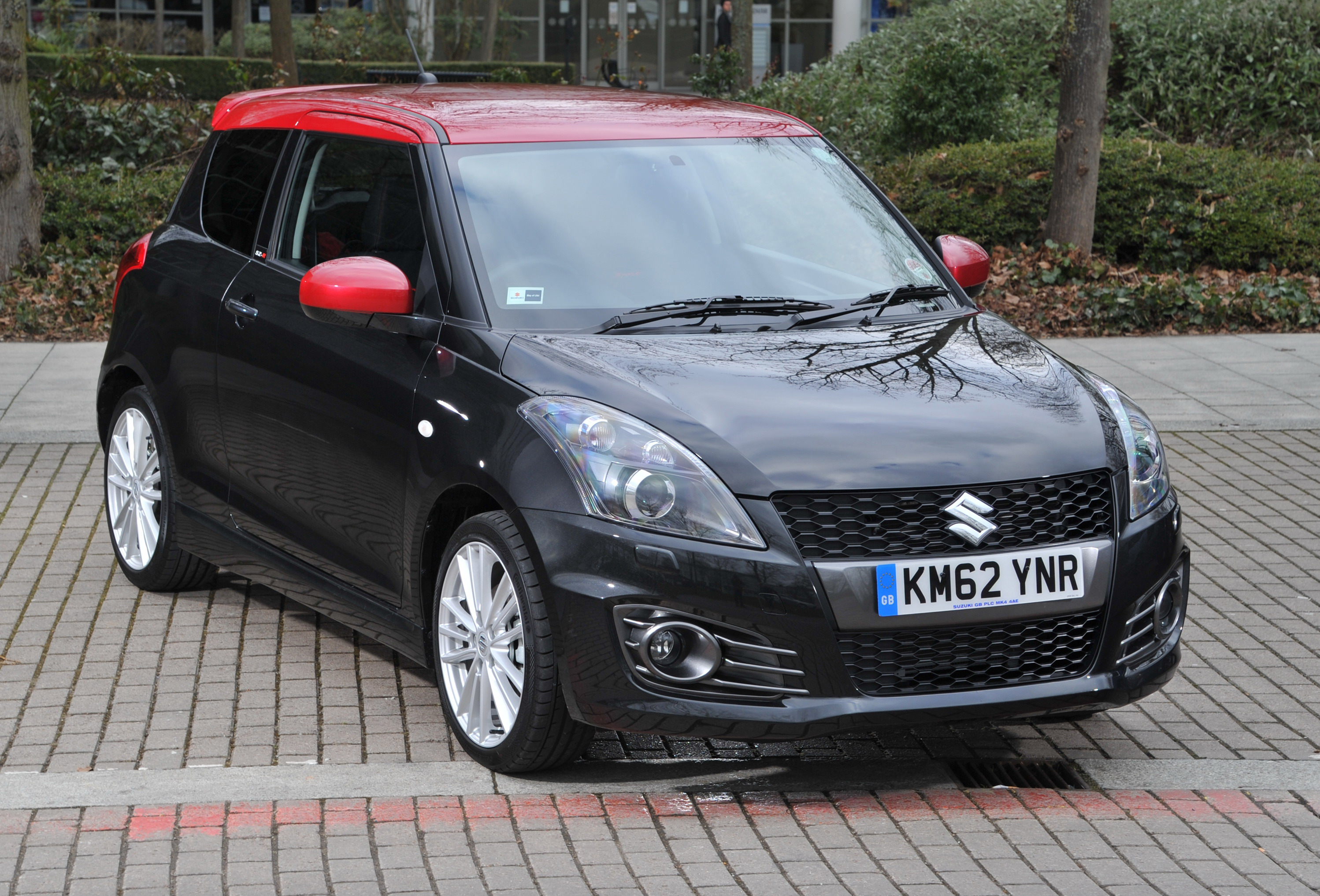 2013 suzuki swift sport sz r review top speed. Black Bedroom Furniture Sets. Home Design Ideas