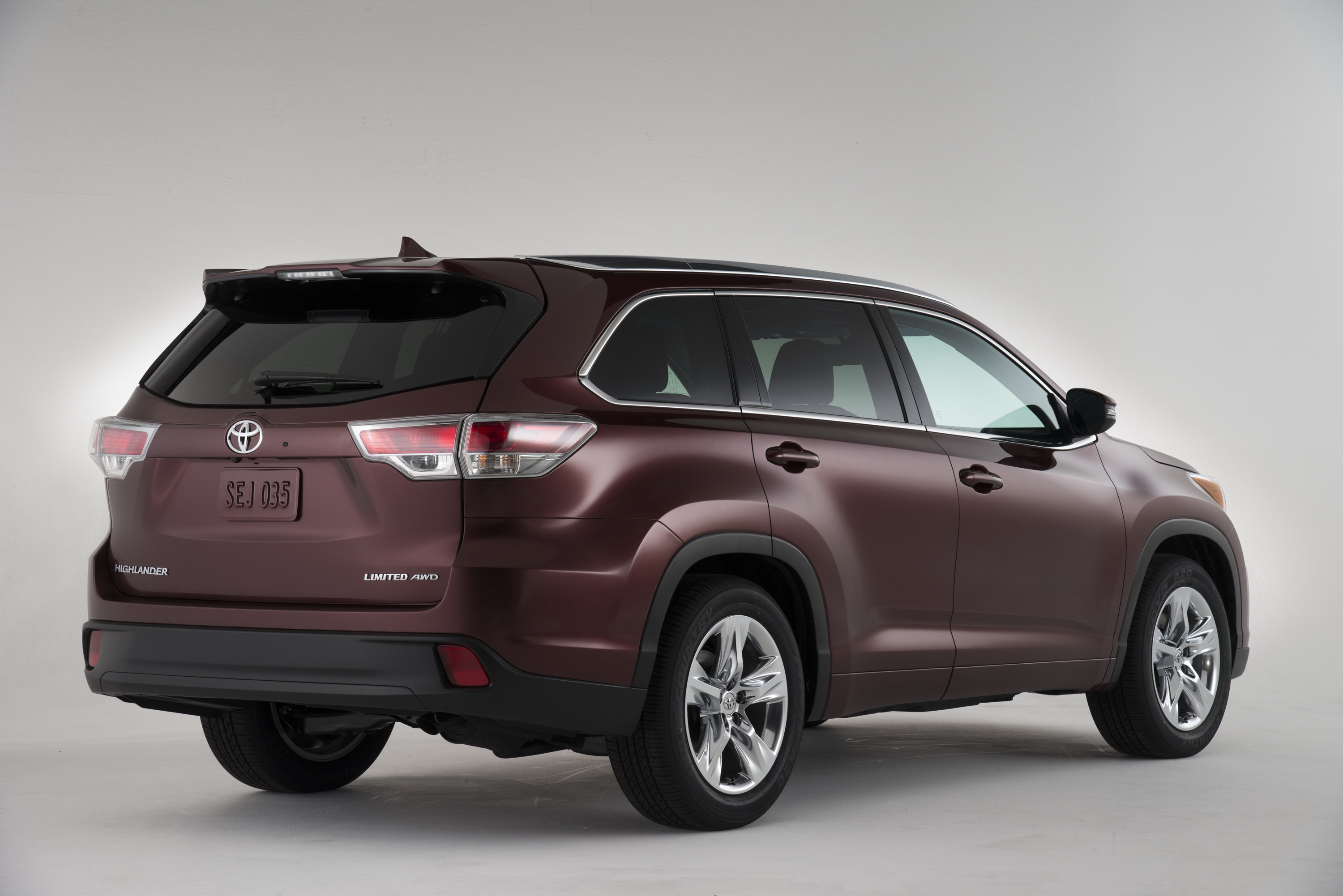 suv msrp compare highlander toyota features prices htm review reviews limited