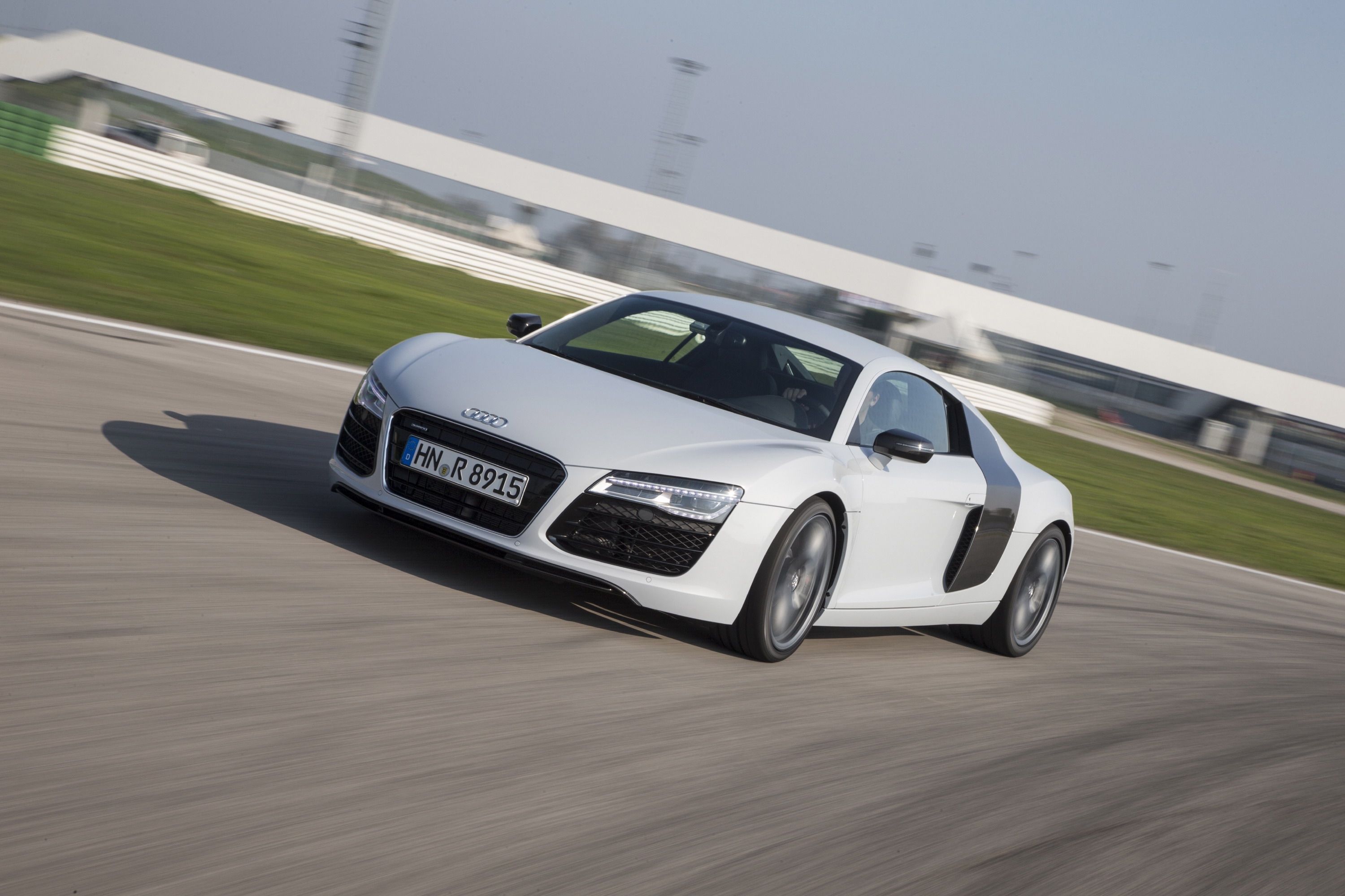 2014 - 2015 audi r8 v8 coupe review - top speed