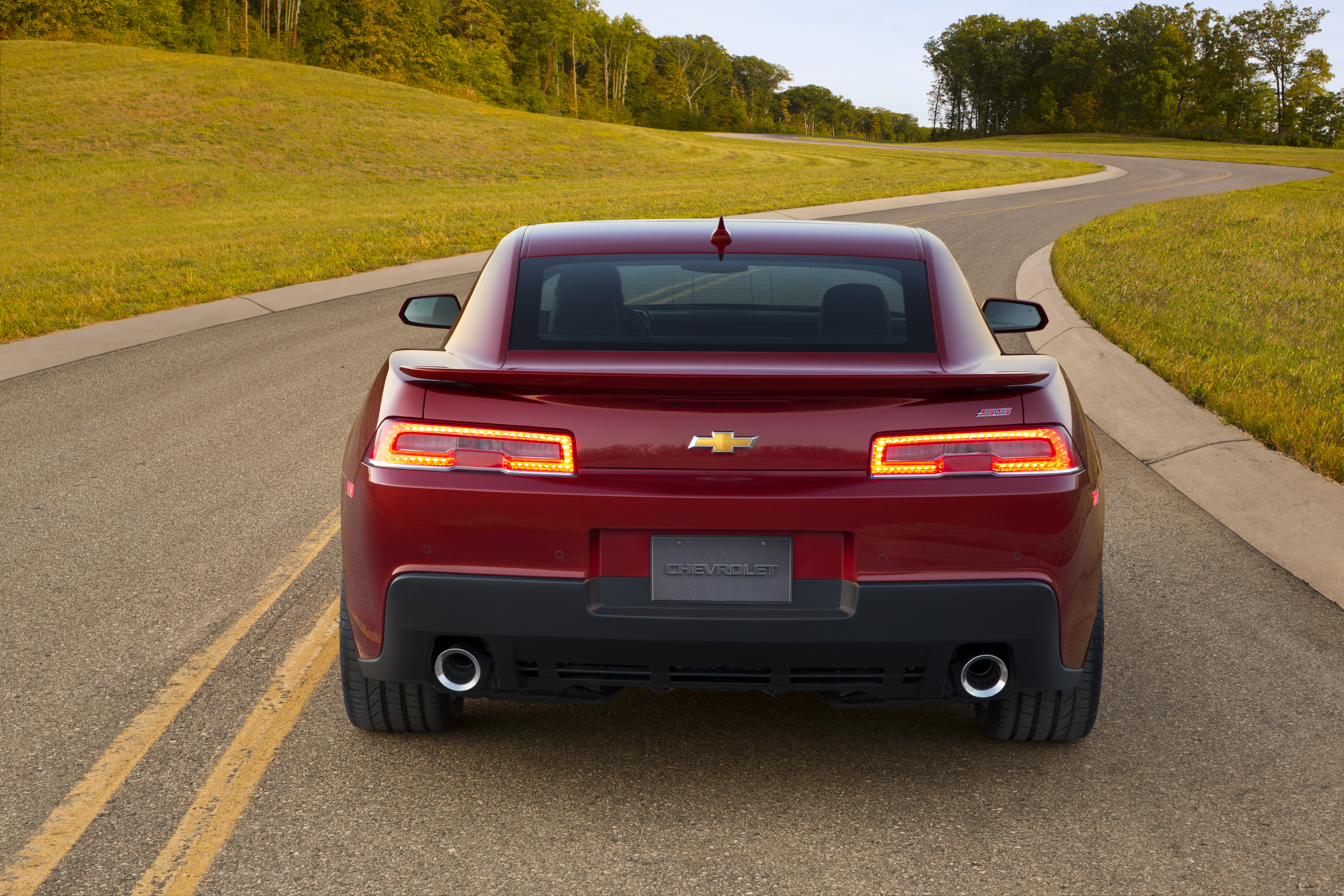 2014 - 2015 Chevrolet Camaro SS | car review @ Top Speed