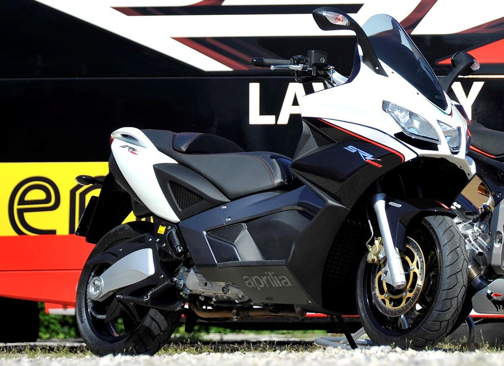 2013 aprilia srv 850 abs atc review top speed. Black Bedroom Furniture Sets. Home Design Ideas