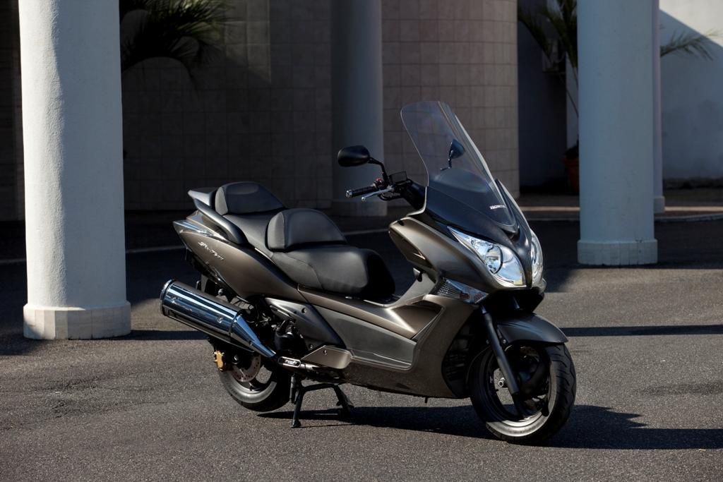 2013 Honda Silver Wing ABS | Top Speed