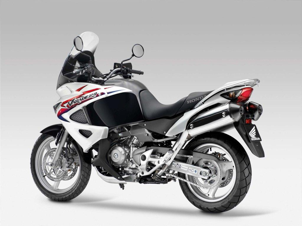 2013 honda xl1000v varadero review top speed. Black Bedroom Furniture Sets. Home Design Ideas
