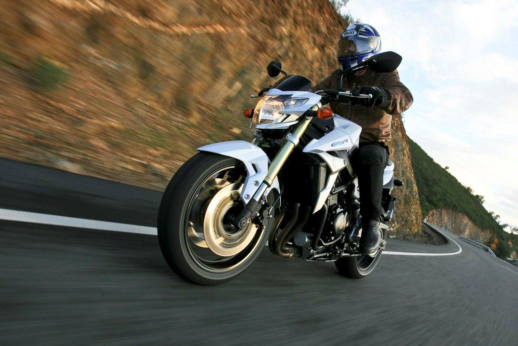2013 suzuki gsr750 review - photo #4