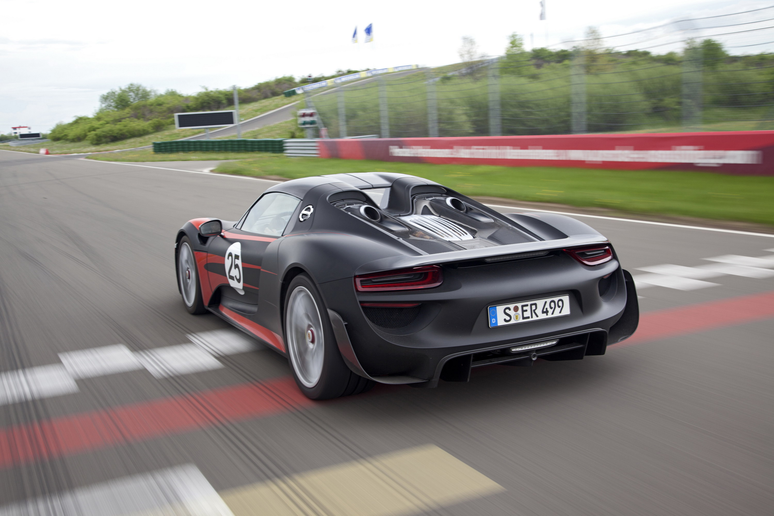 2014 porsche 918 spyder review top speed. Black Bedroom Furniture Sets. Home Design Ideas