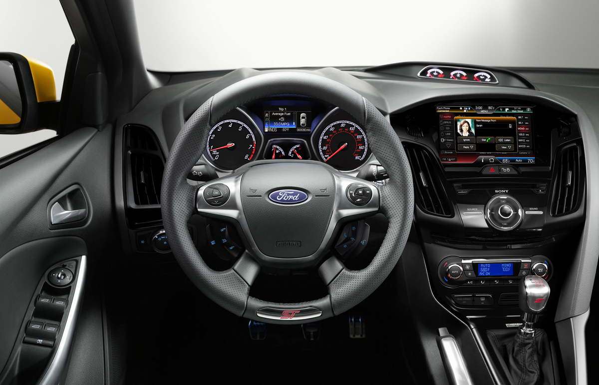 2014 Ford Focus ST | Top Speed. »