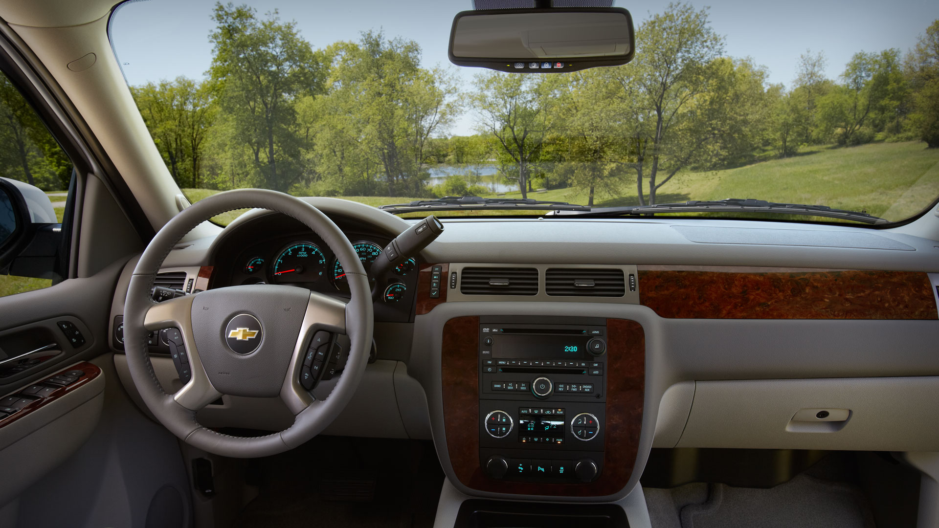 carmax specs research features chevrolet tahoe reviews