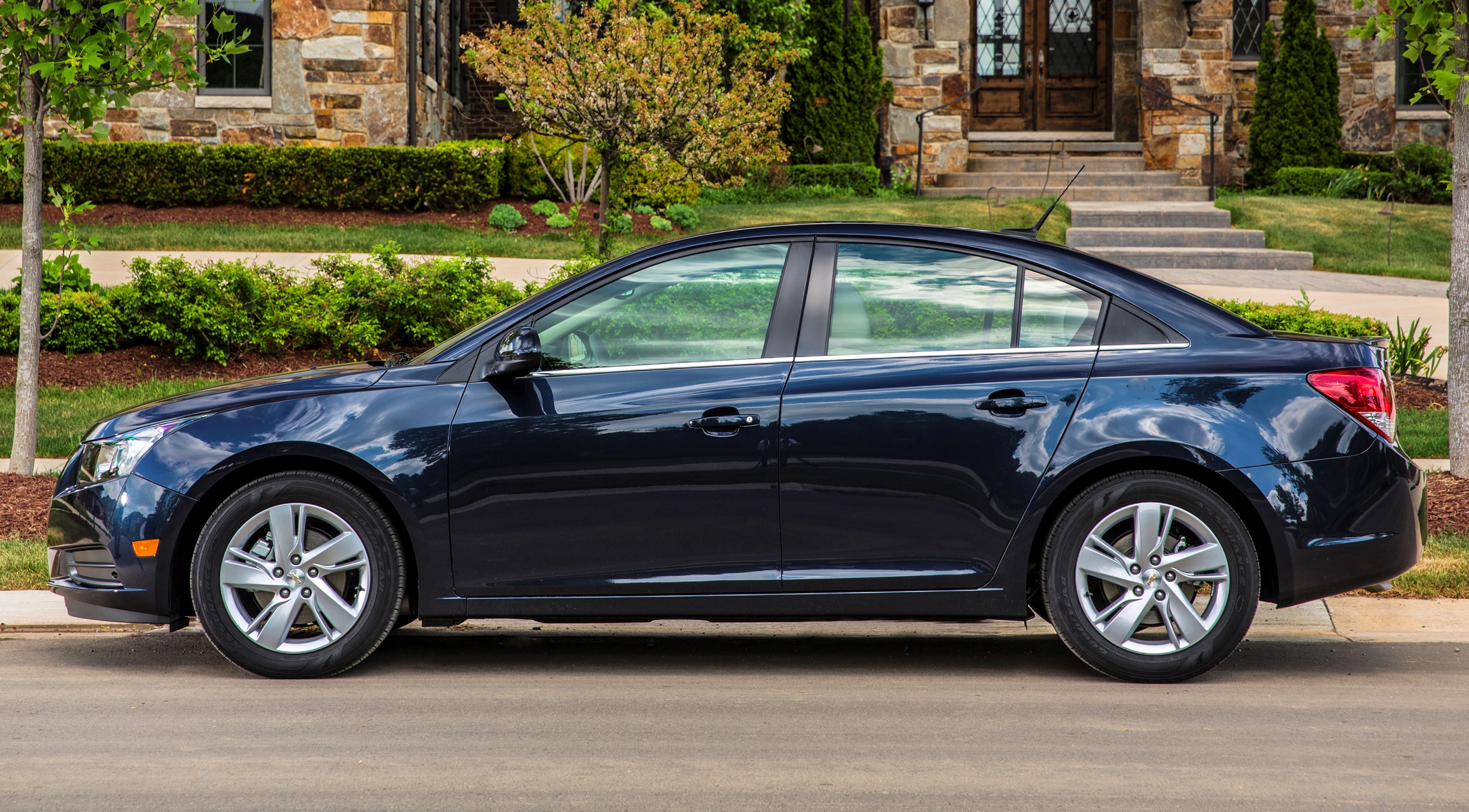 Chevrolet Cruze Repair Manual: Headlining Trim Panel Replacement (Without Sunroof)
