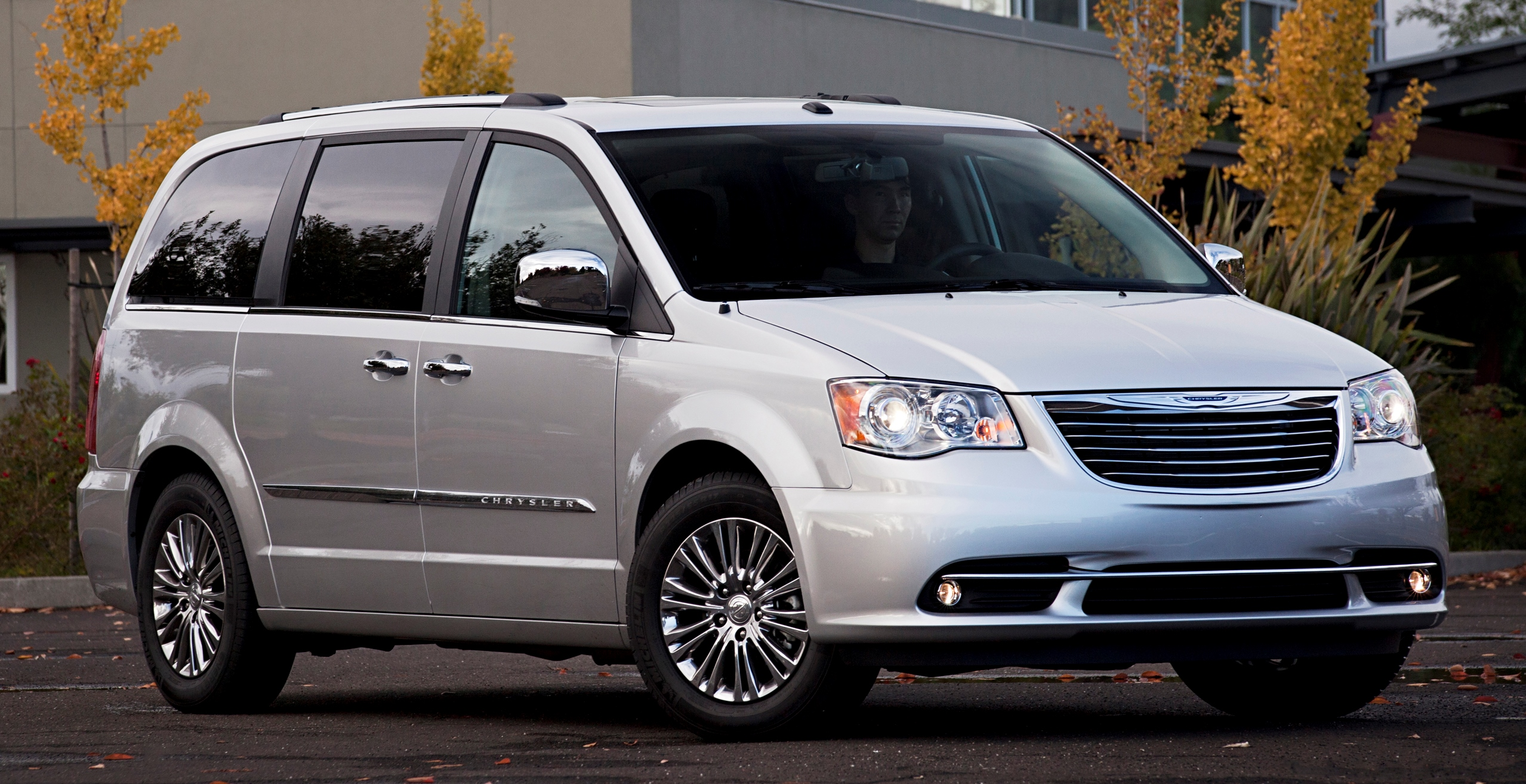 reviews top cars town countr speed and chrysler country