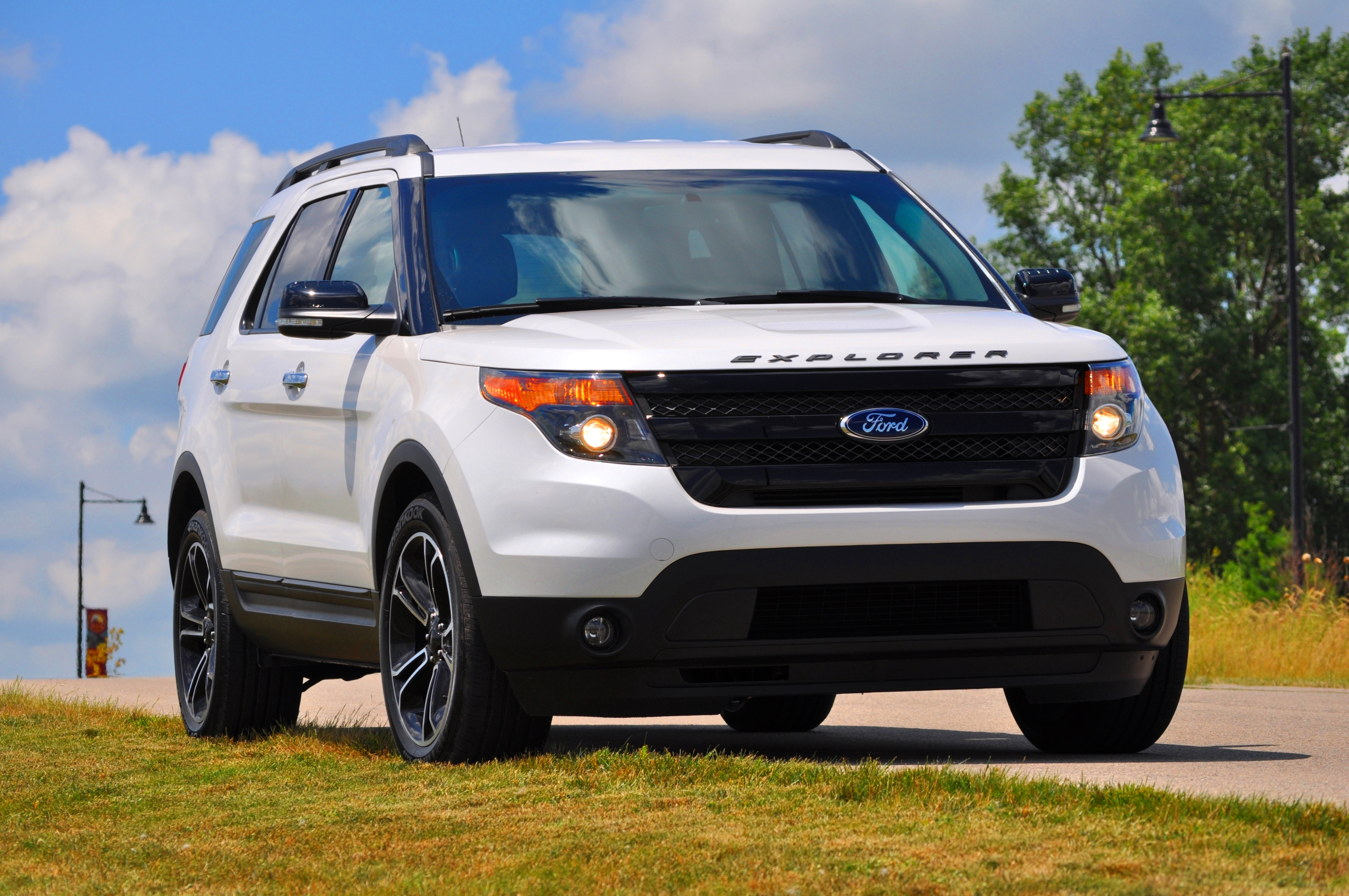 2014 ford explorer sport top speed