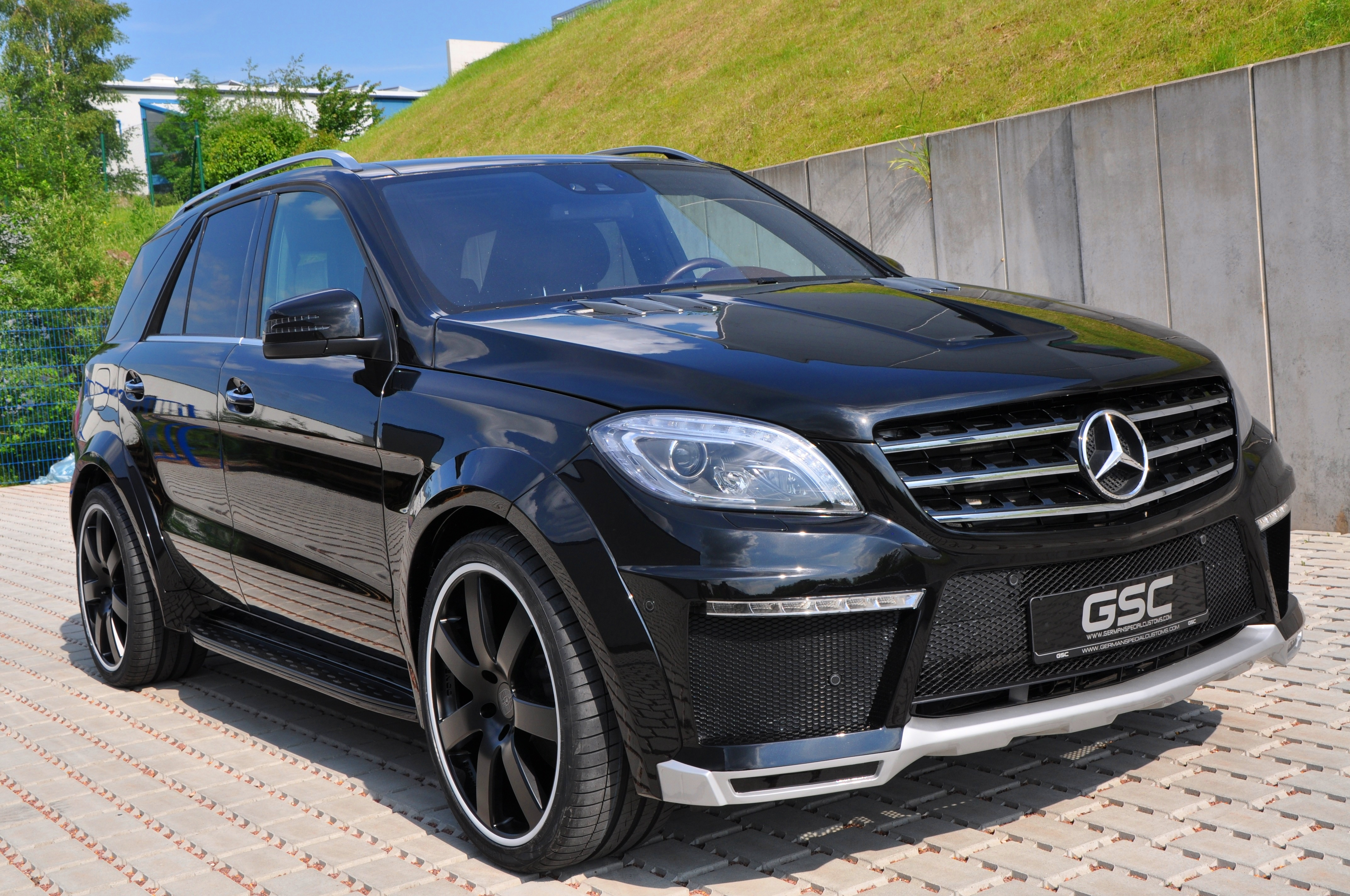 2013 mercedes benz ml widebody by german special customs for Mercedes benz ml