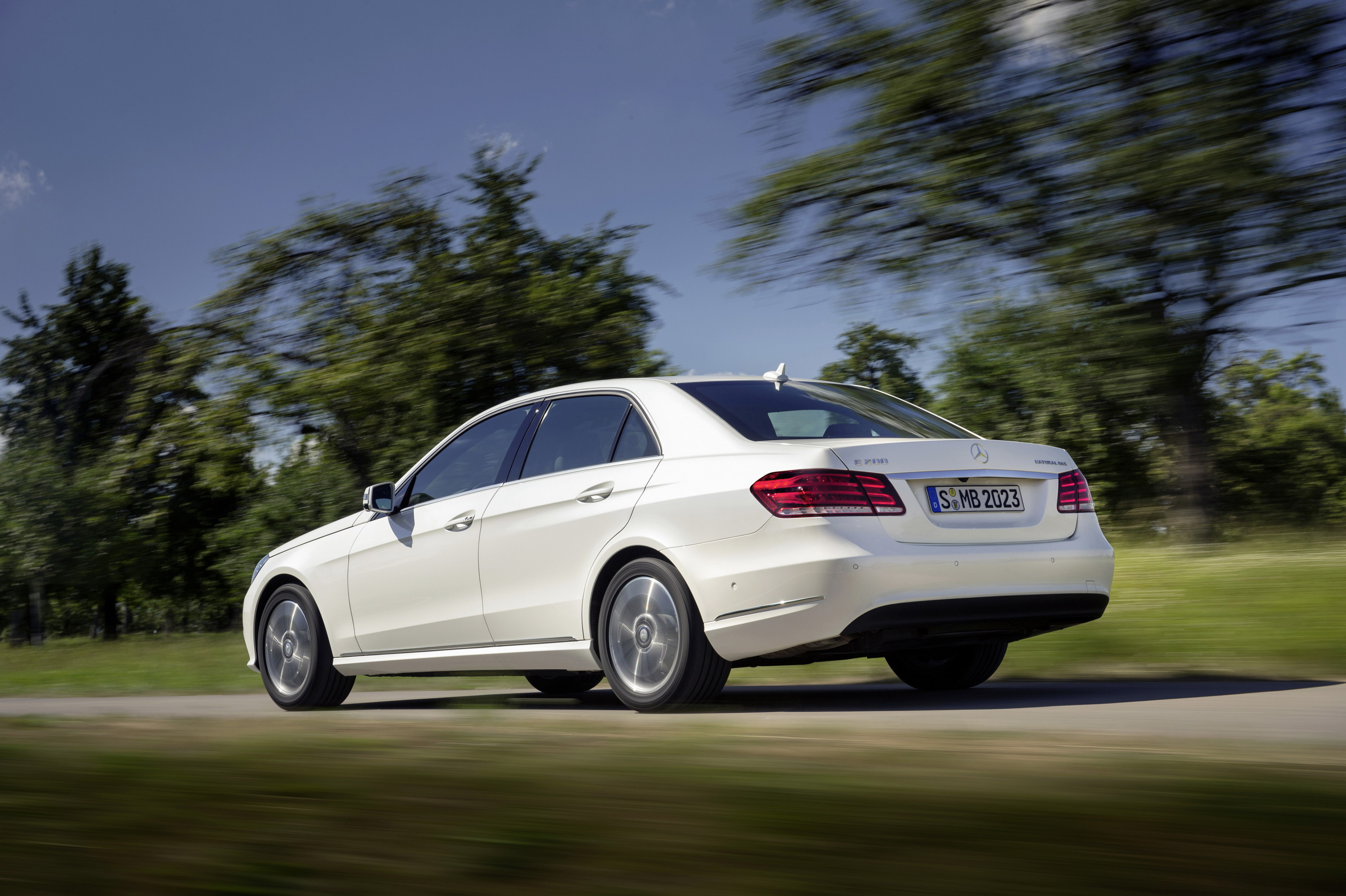 2013 mercedes e 200 natural gas drive review top speed. Black Bedroom Furniture Sets. Home Design Ideas