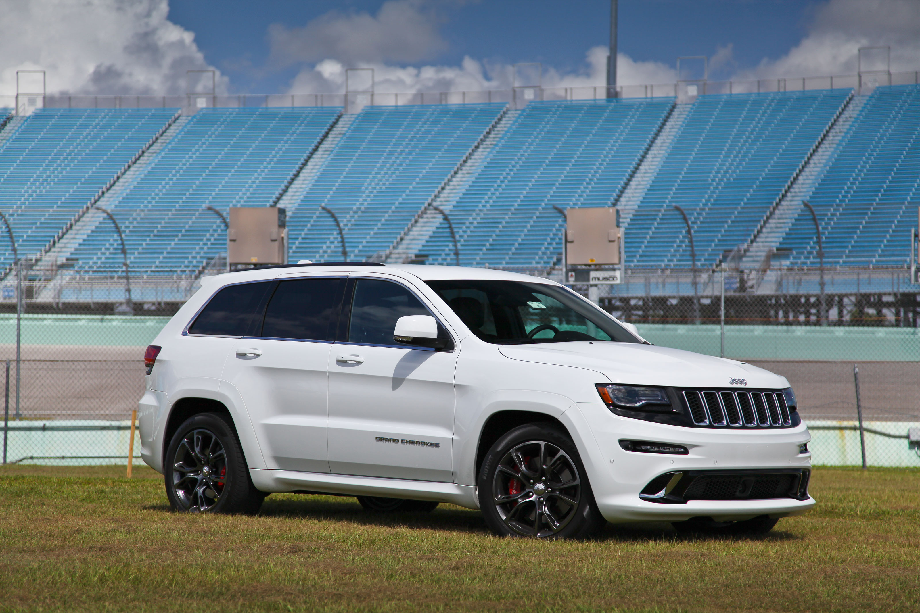 2014 Jeep Grand Cherokee Srt Review Top Speed