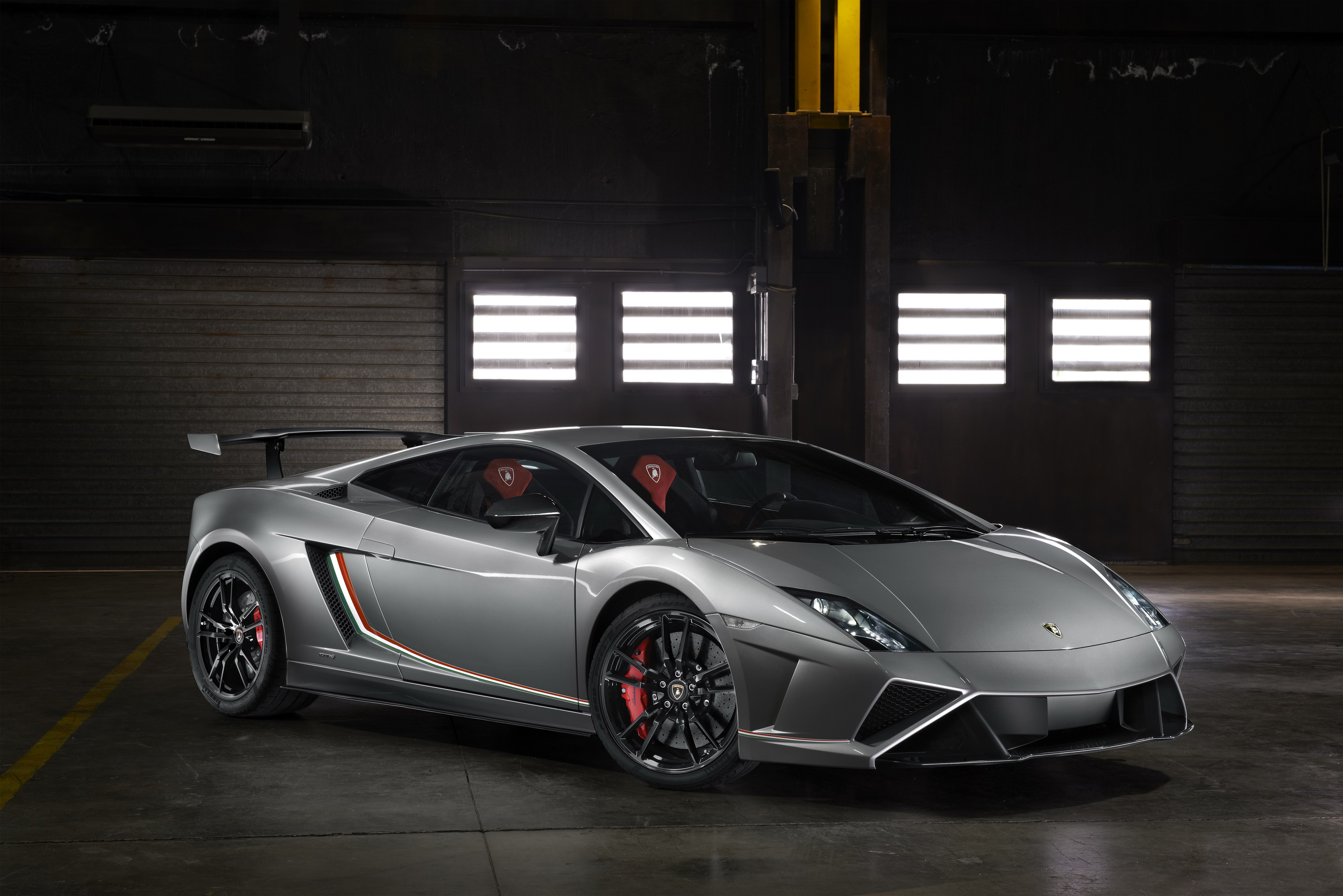 motion automobile performante show huracan used more drive three review first lamborghini front news in prices quarter