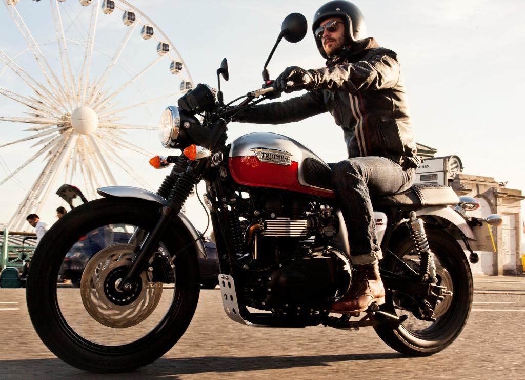 2014 triumph scrambler review top speed. Black Bedroom Furniture Sets. Home Design Ideas