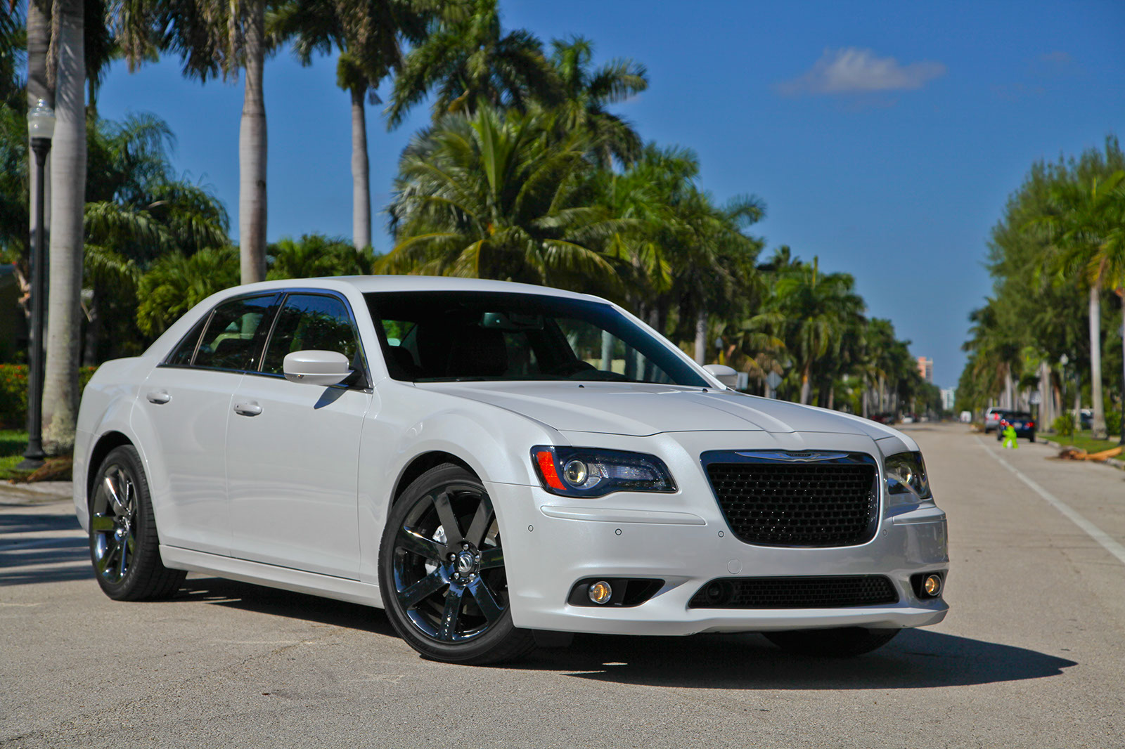 2013 Chrysler 300 SRT8 | Top Speed. »