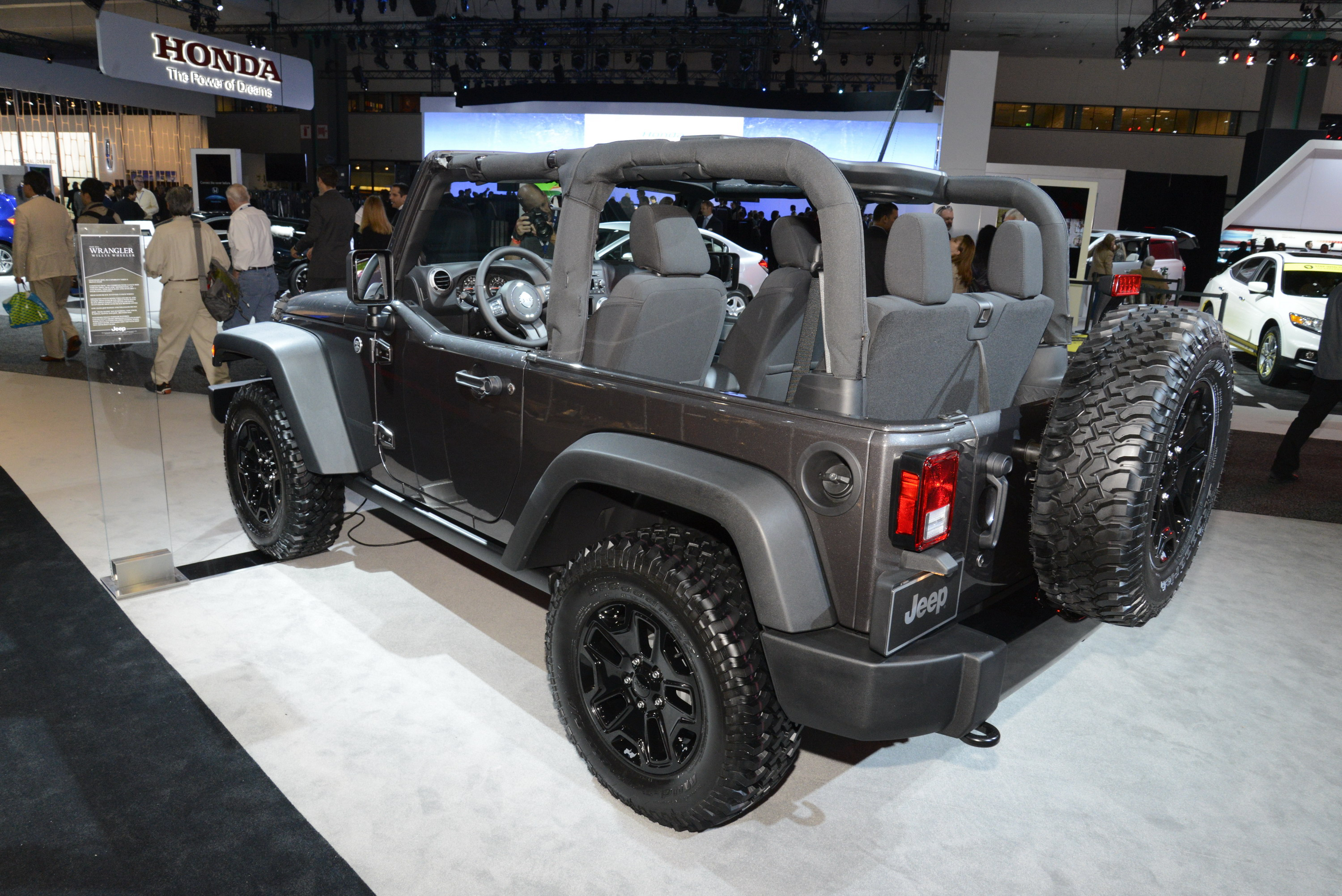 2014 jeep wrangler willys wheeler edition review top speed. Black Bedroom Furniture Sets. Home Design Ideas