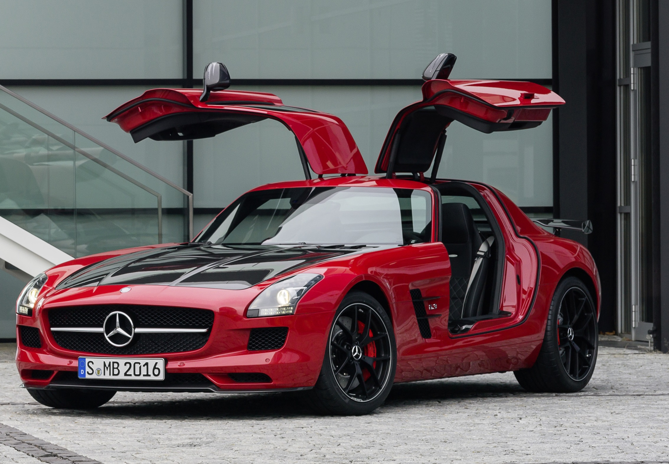 Mercedes SLS Class Reviews, Specs, Prices, Photos And Videos | Top Speed. »