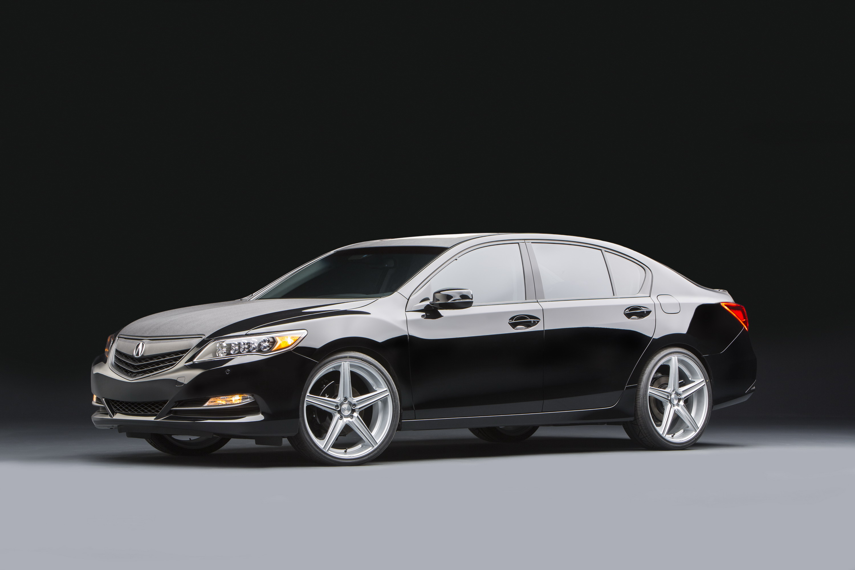 2014 Top 10 Luxury Sedans: 2014 Acura RLX Urban Luxury Sedan