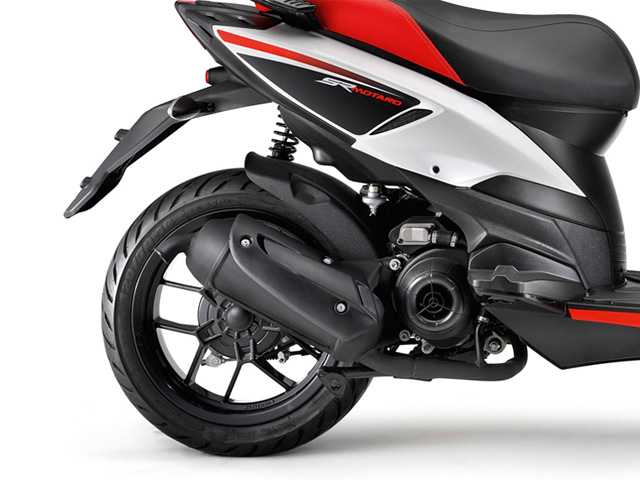 2014 aprilia sr motard 50 review top speed. Black Bedroom Furniture Sets. Home Design Ideas