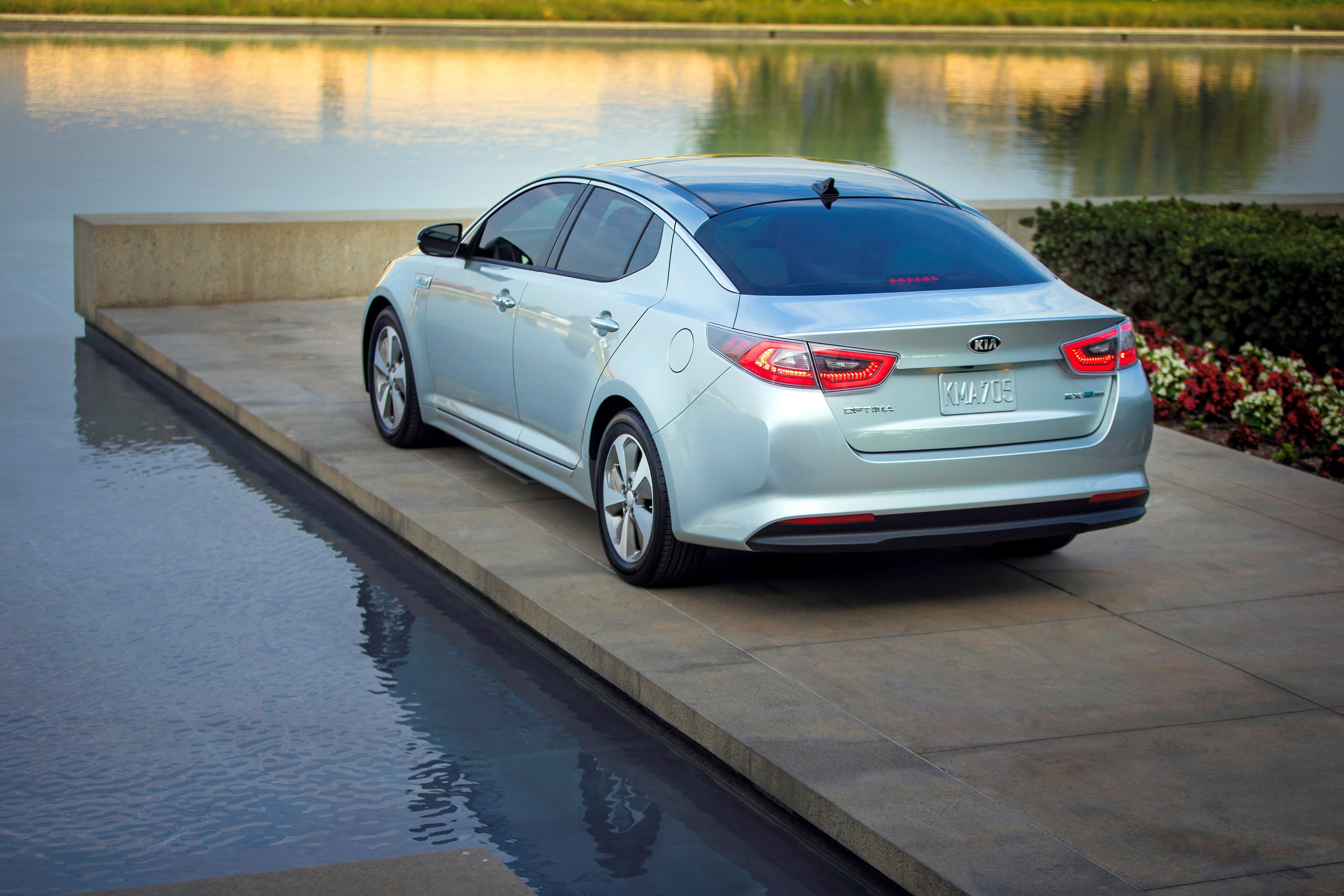 2014 kia optima hybrid review top speed. Black Bedroom Furniture Sets. Home Design Ideas