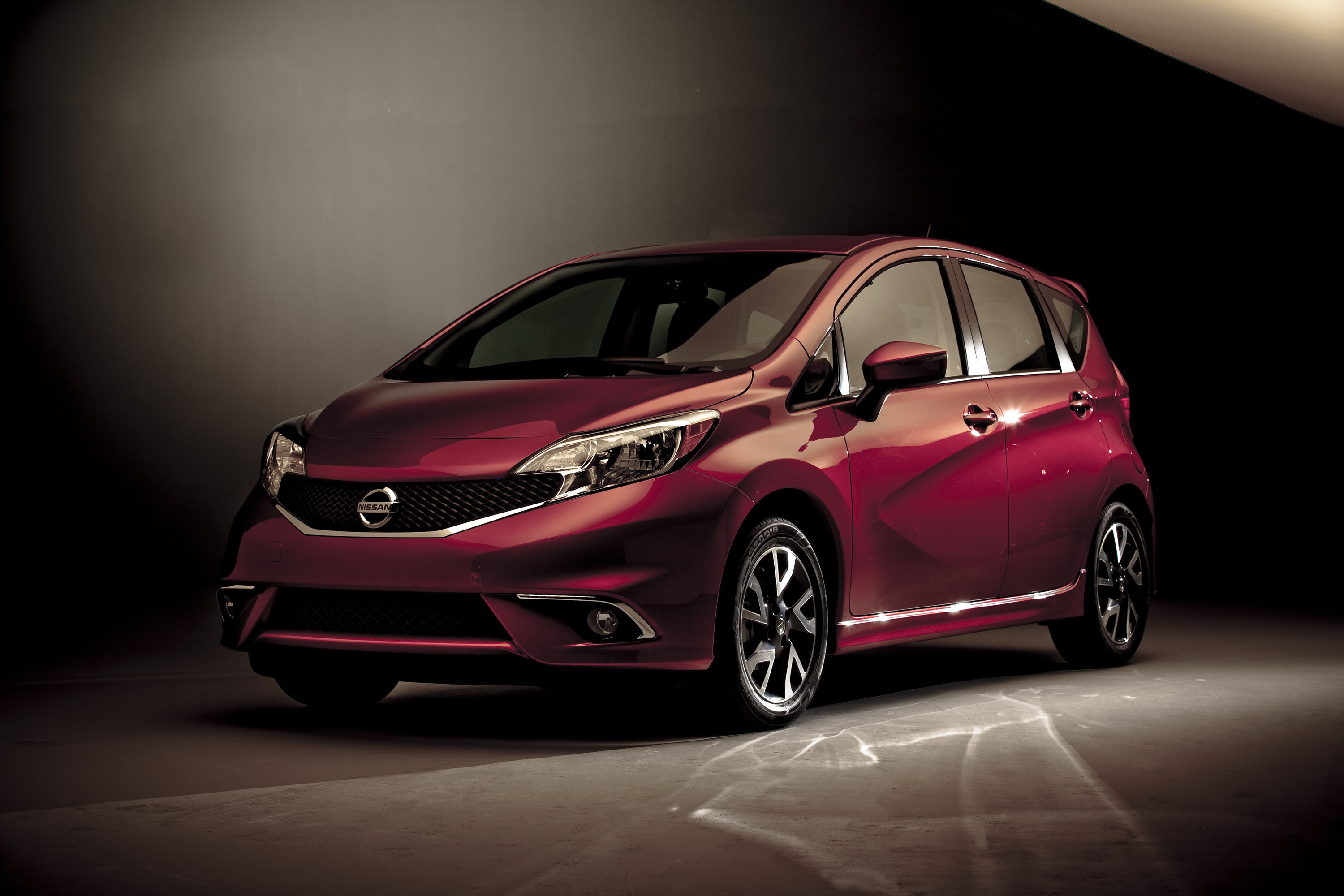hatchback listings blutooth full camra versa img nissan note backup certified wheels alloy