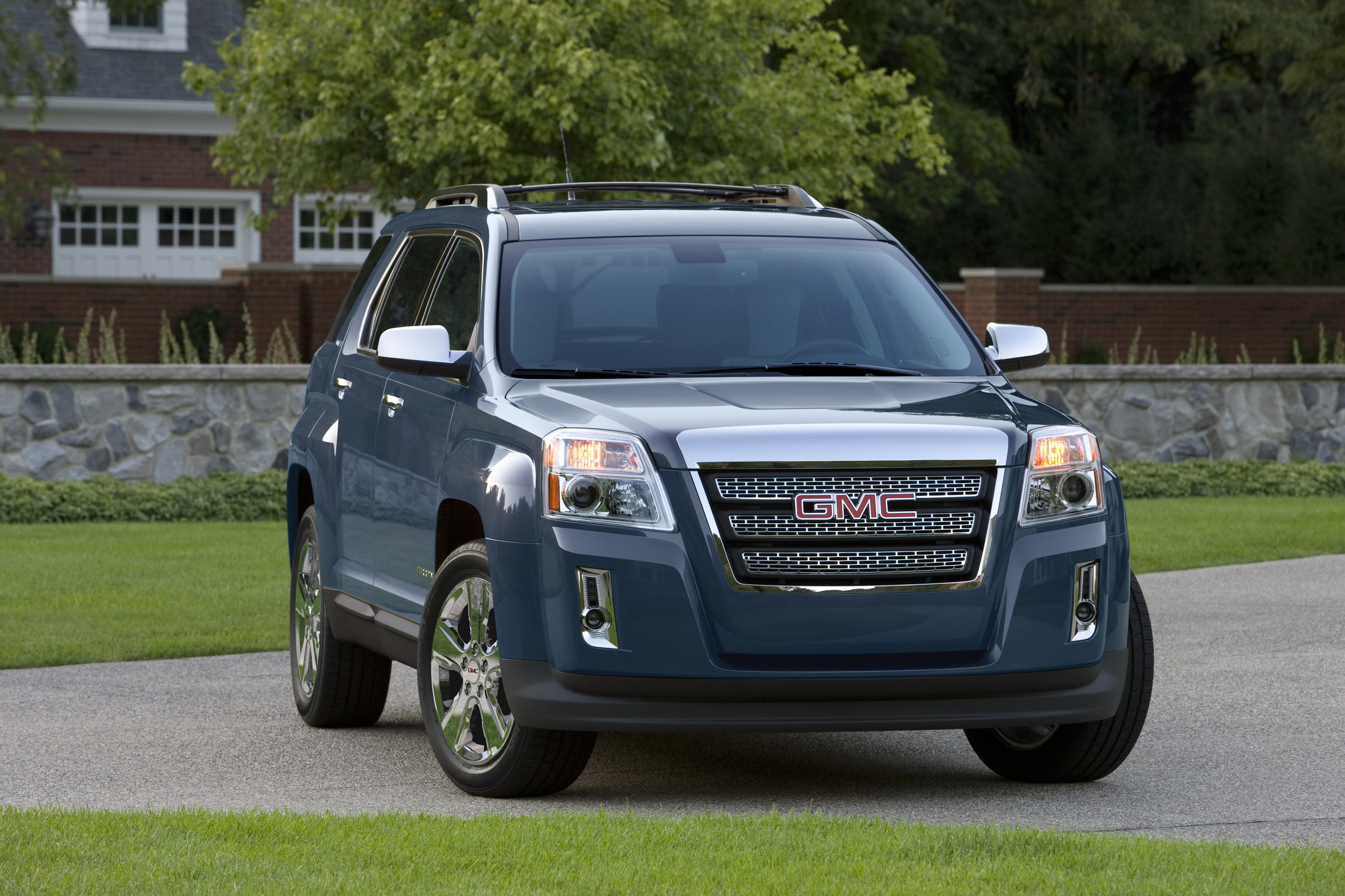 lighter suvs shorter narrower yet awd as acadia denali just gmc the review functional