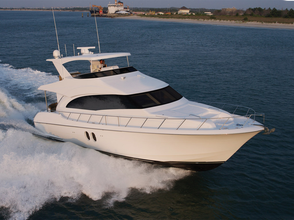 Motor Yacht: 2014 Hatteras 60 Motor Yacht Review