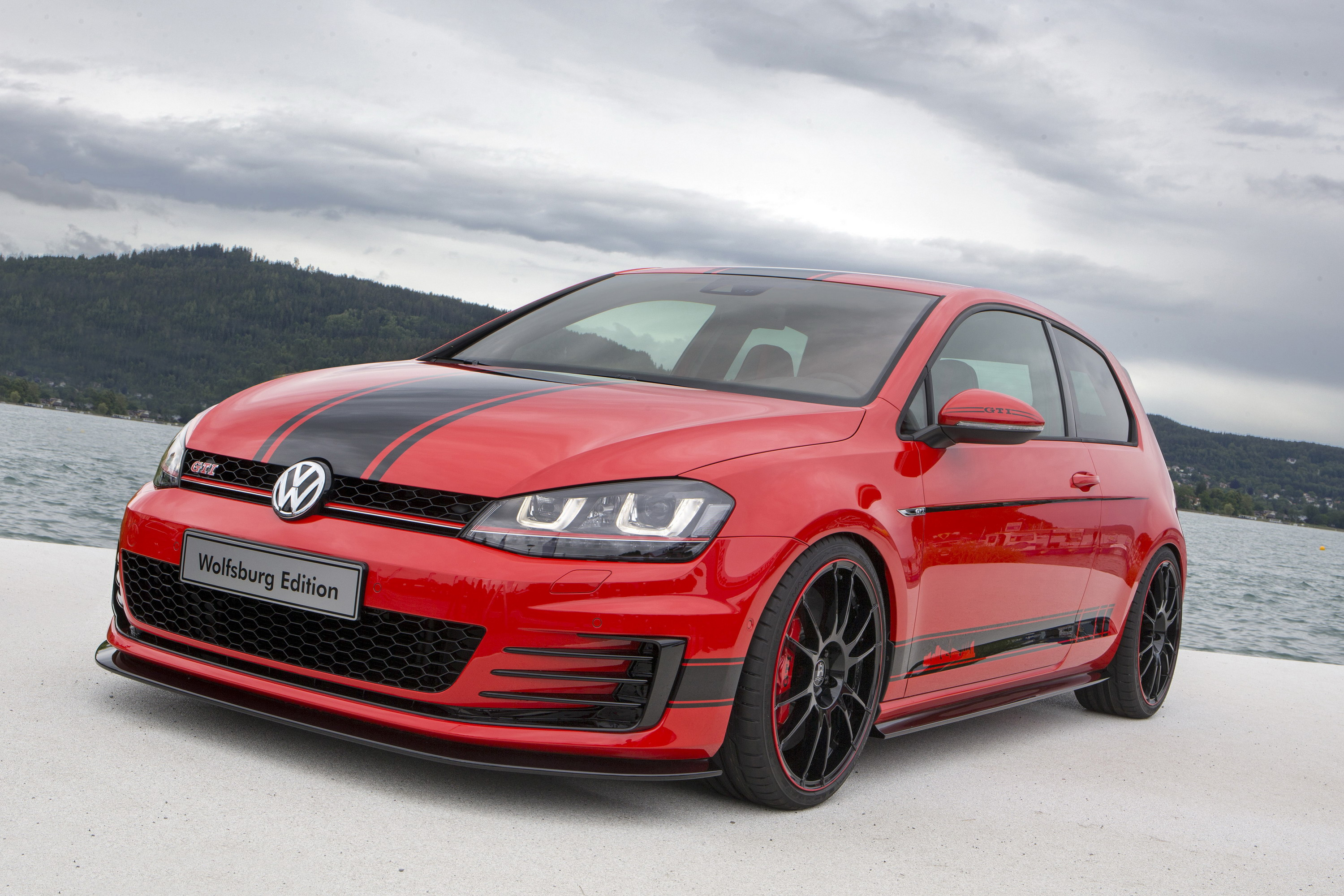 2014 volkswagen golf gti wolfsburg edition top speed. Black Bedroom Furniture Sets. Home Design Ideas
