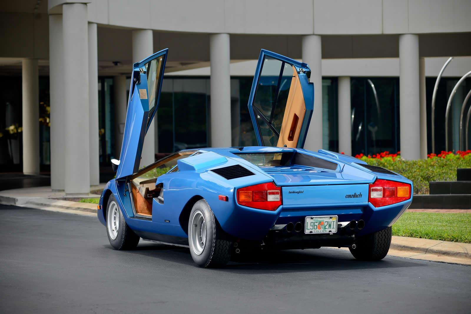 https://pictures.topspeed.com/IMG/jpg/201406/1973-lamborghini-countach-7.jpg