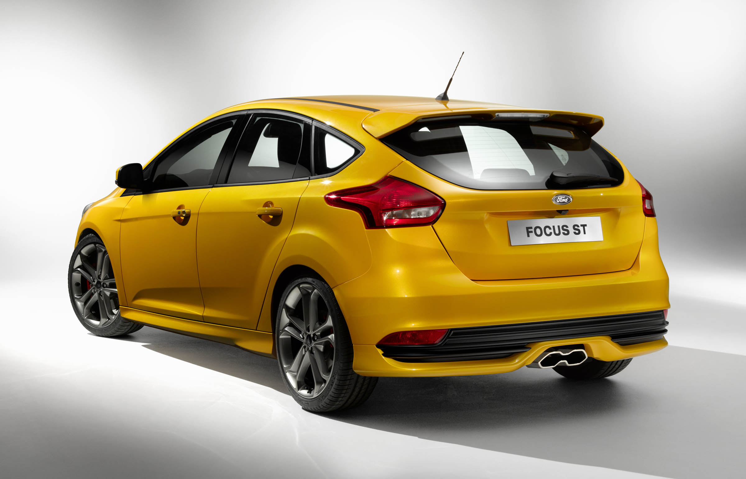 2015 Ford Focus ST | Top Speed. »