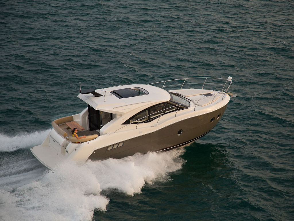 2014 Carver Yachts C37 Review - Top Speed