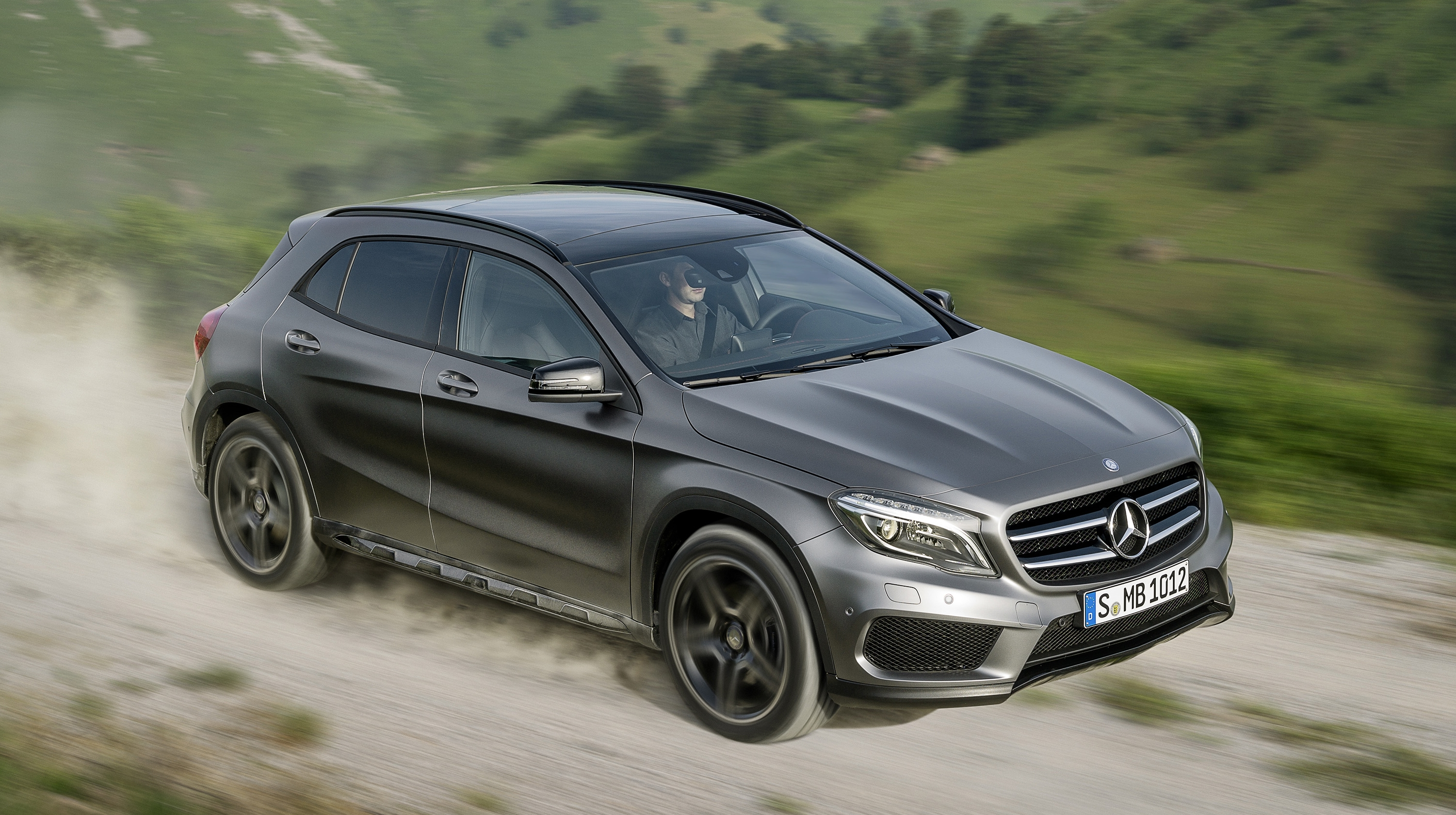 2015 mercedes benz gla class top speed. Black Bedroom Furniture Sets. Home Design Ideas