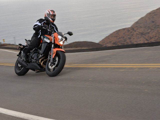 2014 CFMoto 650 NK Review - Top Speed