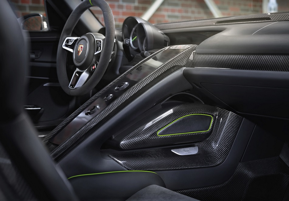 porsche 918 spyder top speed 2014 porsche 918 spyder. Black Bedroom Furniture Sets. Home Design Ideas