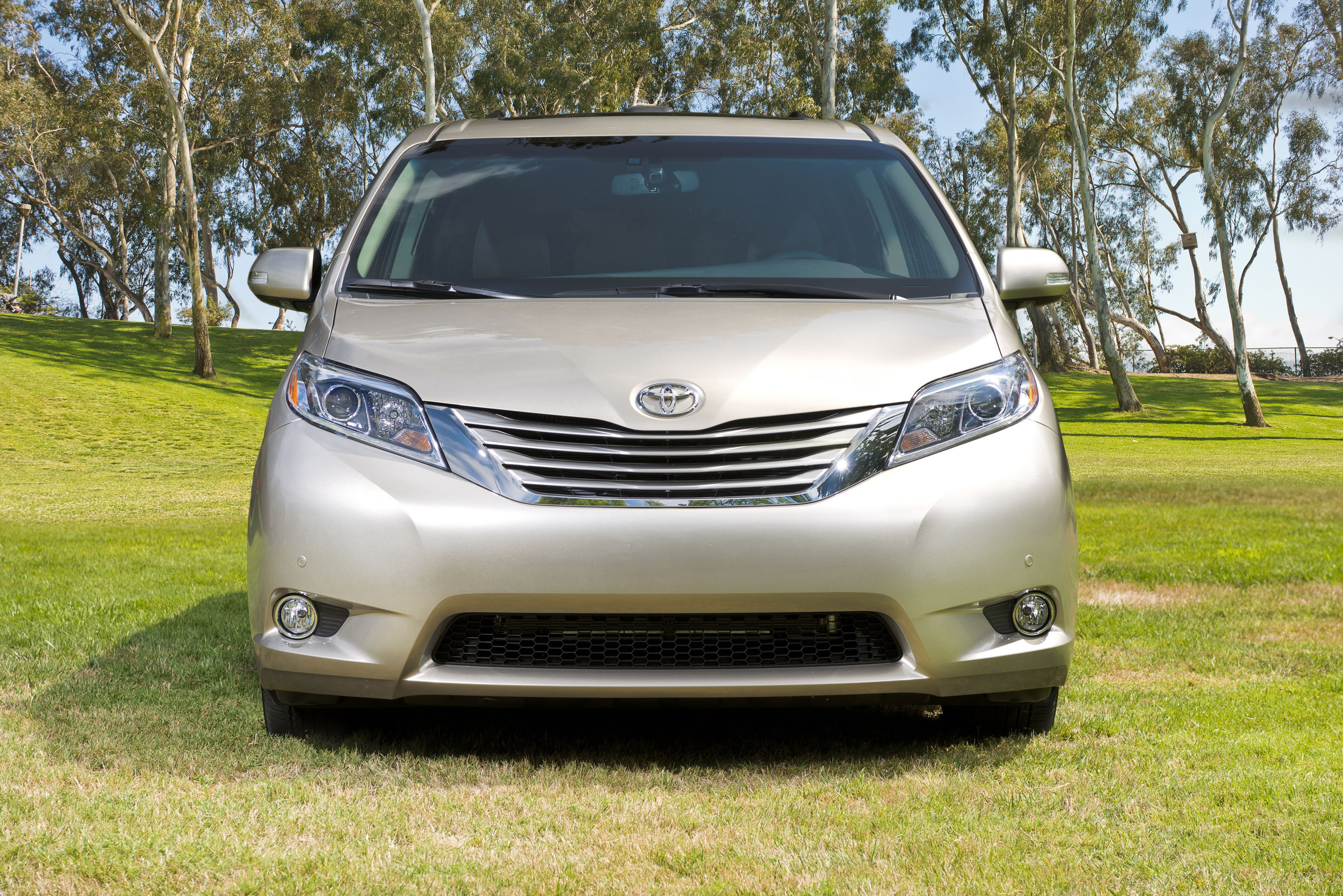 toyota se of test drive sienna expert review