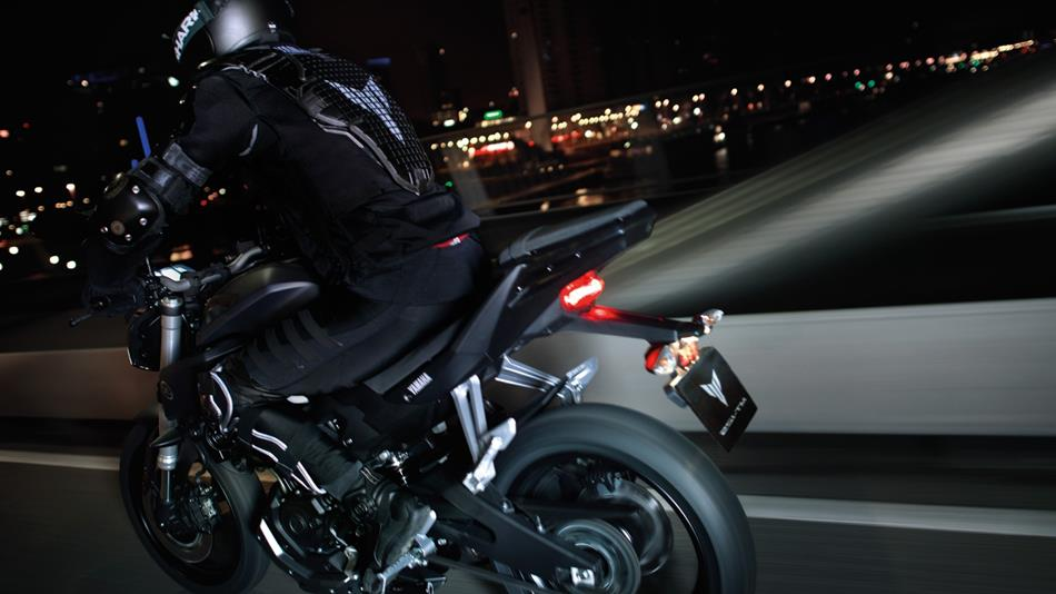 2014 yamaha mt 125 review top speed. Black Bedroom Furniture Sets. Home Design Ideas