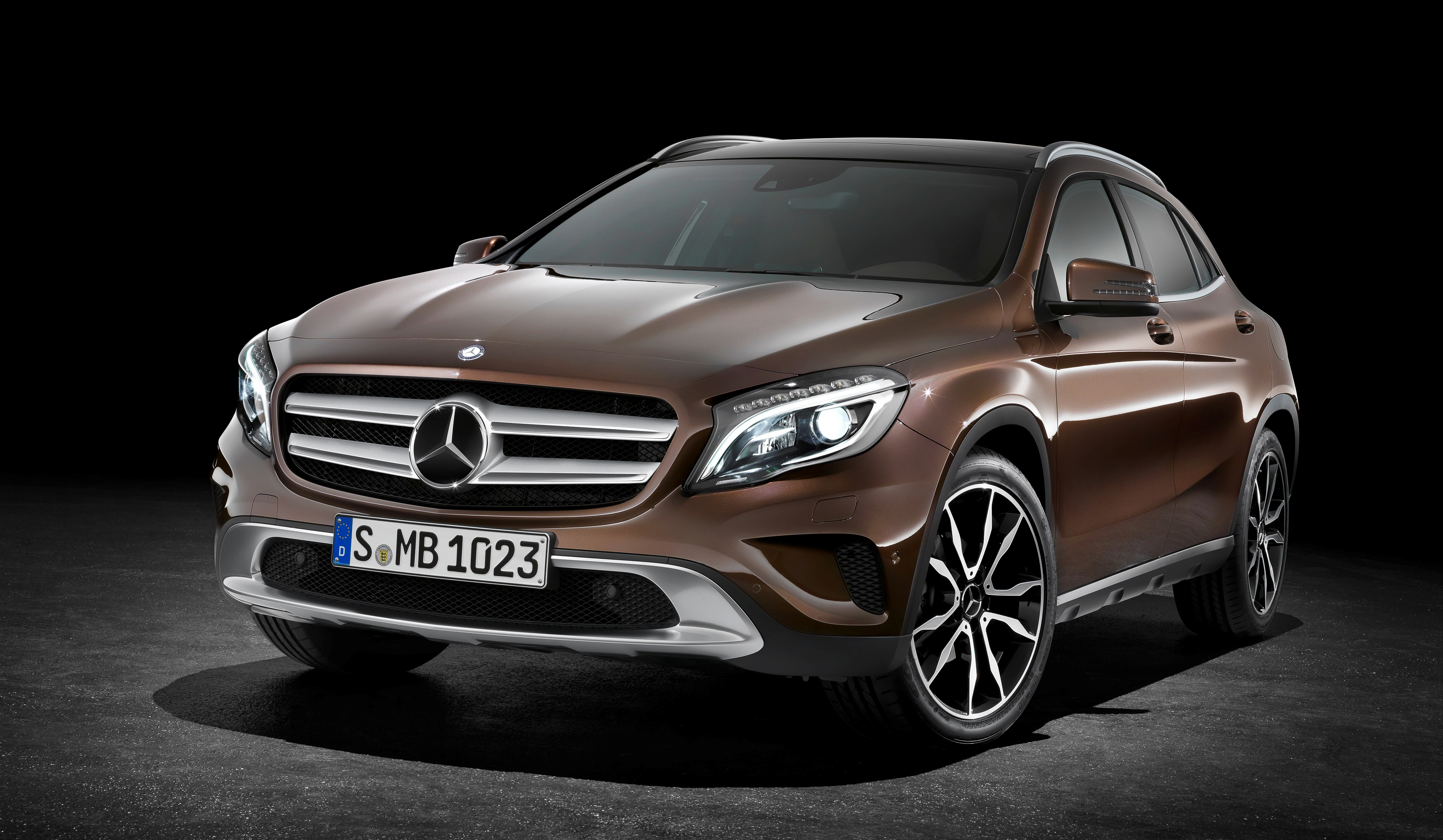 Mercedes benz usa fears it won 39 t get as many glas as for How do you spell mercedes benz