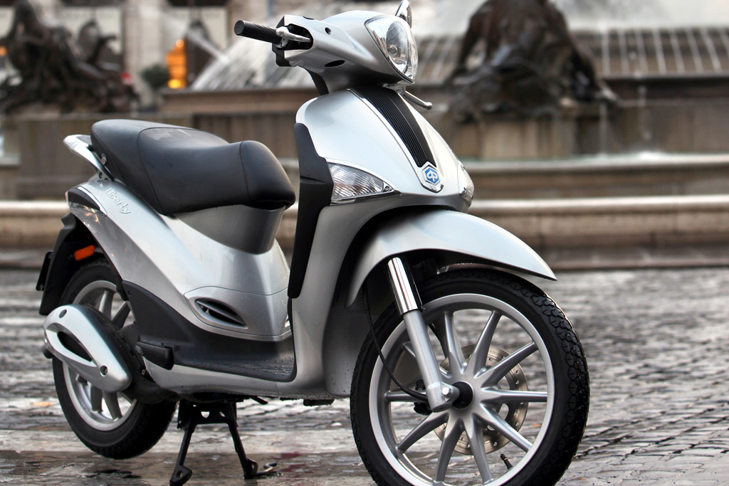 2014 piaggio liberty 50 2t review top speed. Black Bedroom Furniture Sets. Home Design Ideas