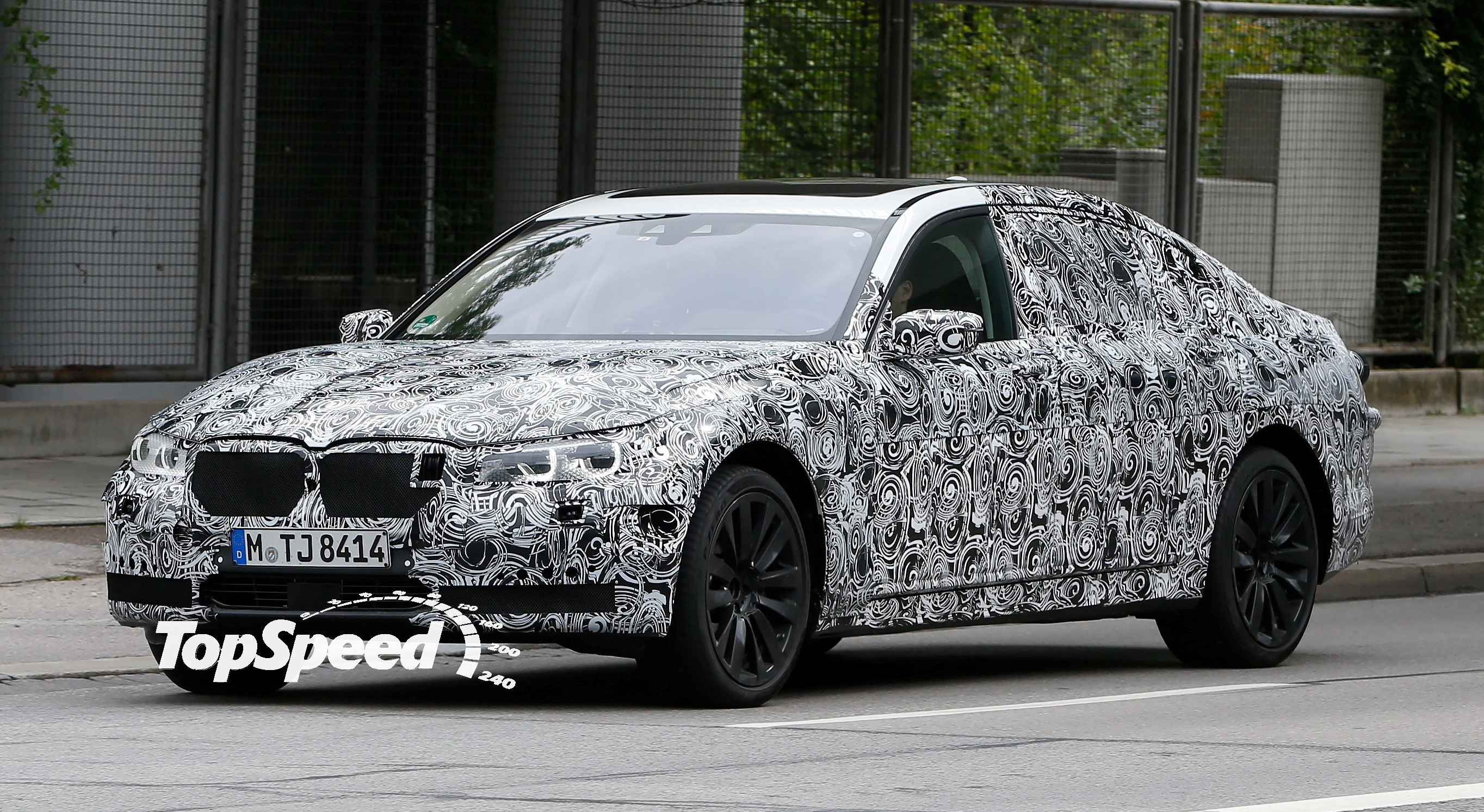 New BMW 7 Series >> Spy Shots: BMW 7 Series Shows Us Its Headlights | Top Speed