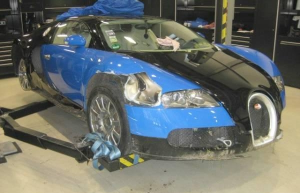 This Wrecked 2008 Veyron Sold for Over $275K