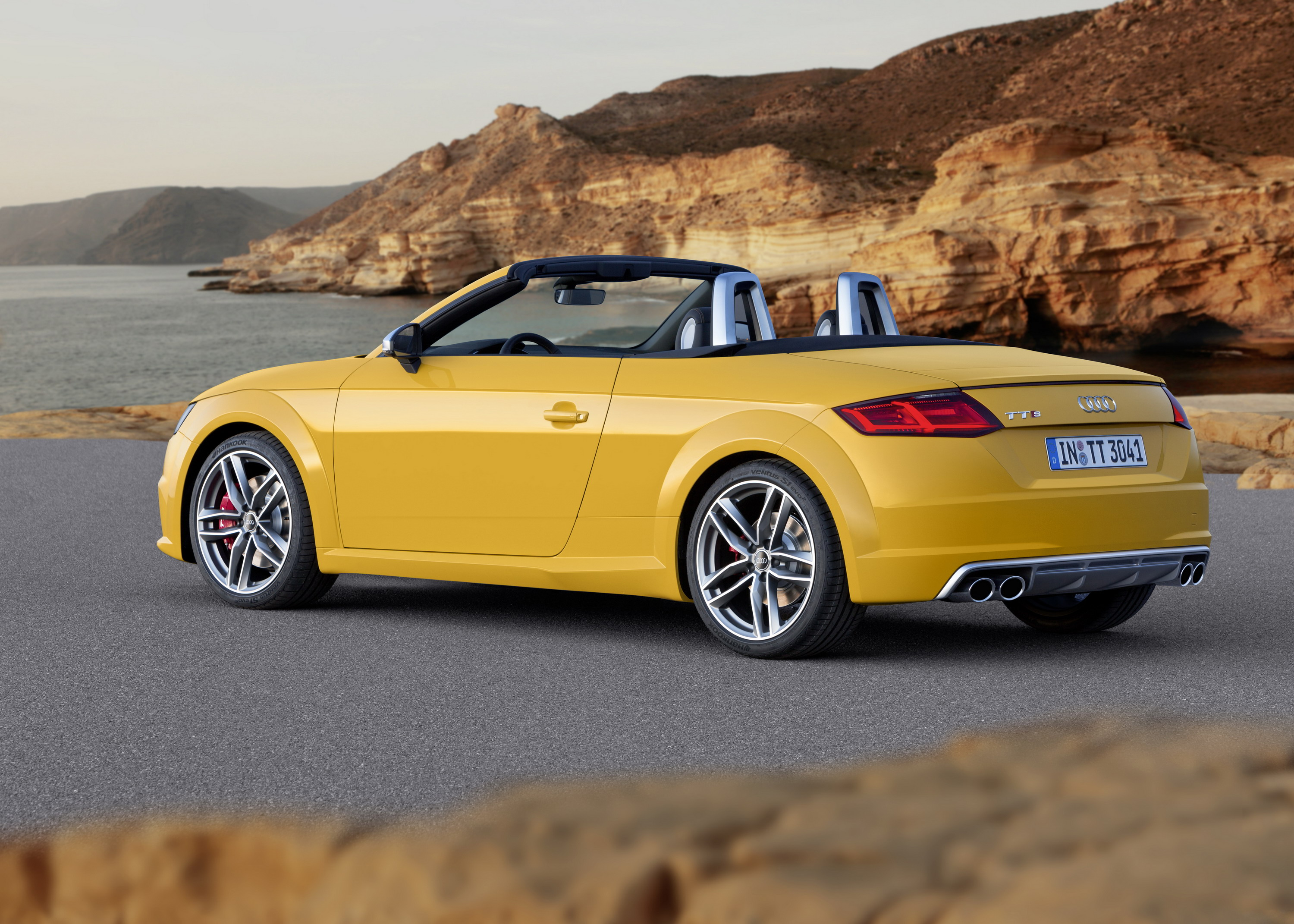 Superior 2016 Audi TT Roadster | Top Speed. »
