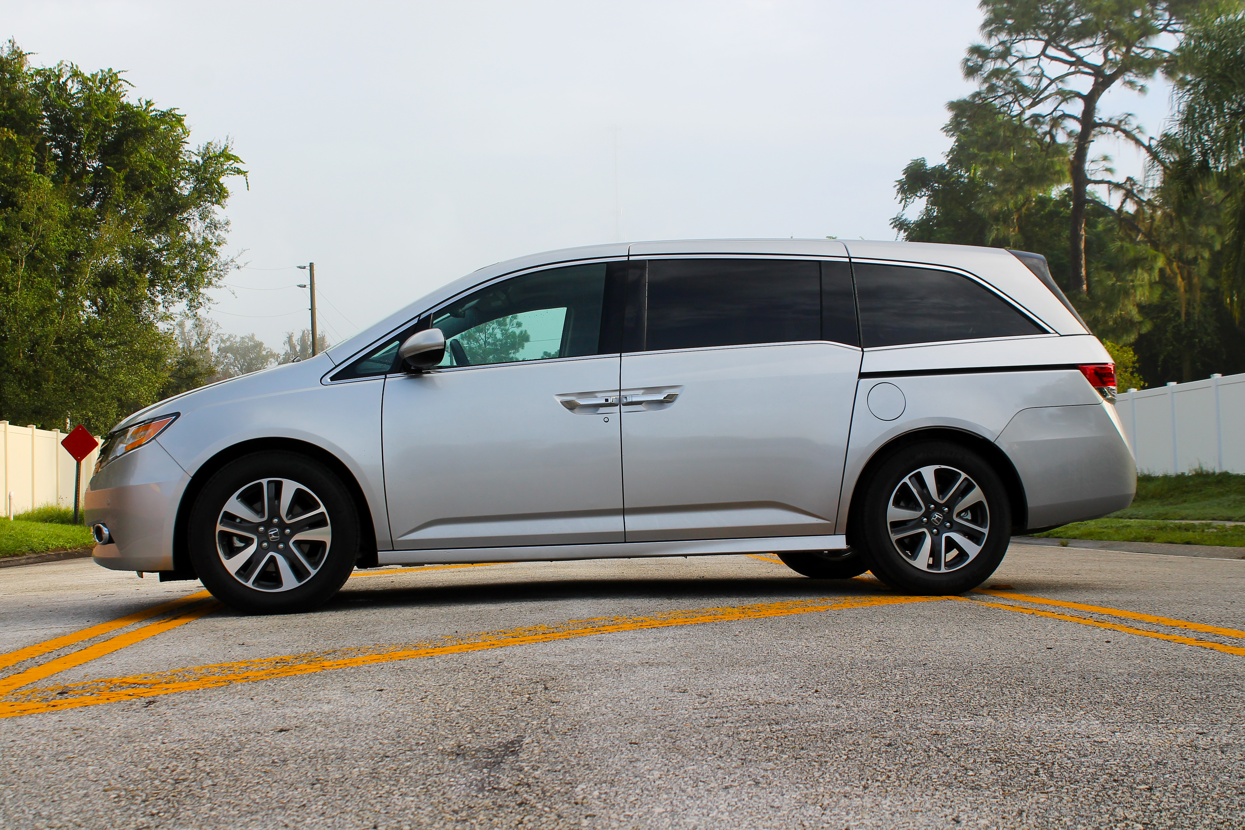 2015 honda odyssey touring elite driven review top speed. Black Bedroom Furniture Sets. Home Design Ideas