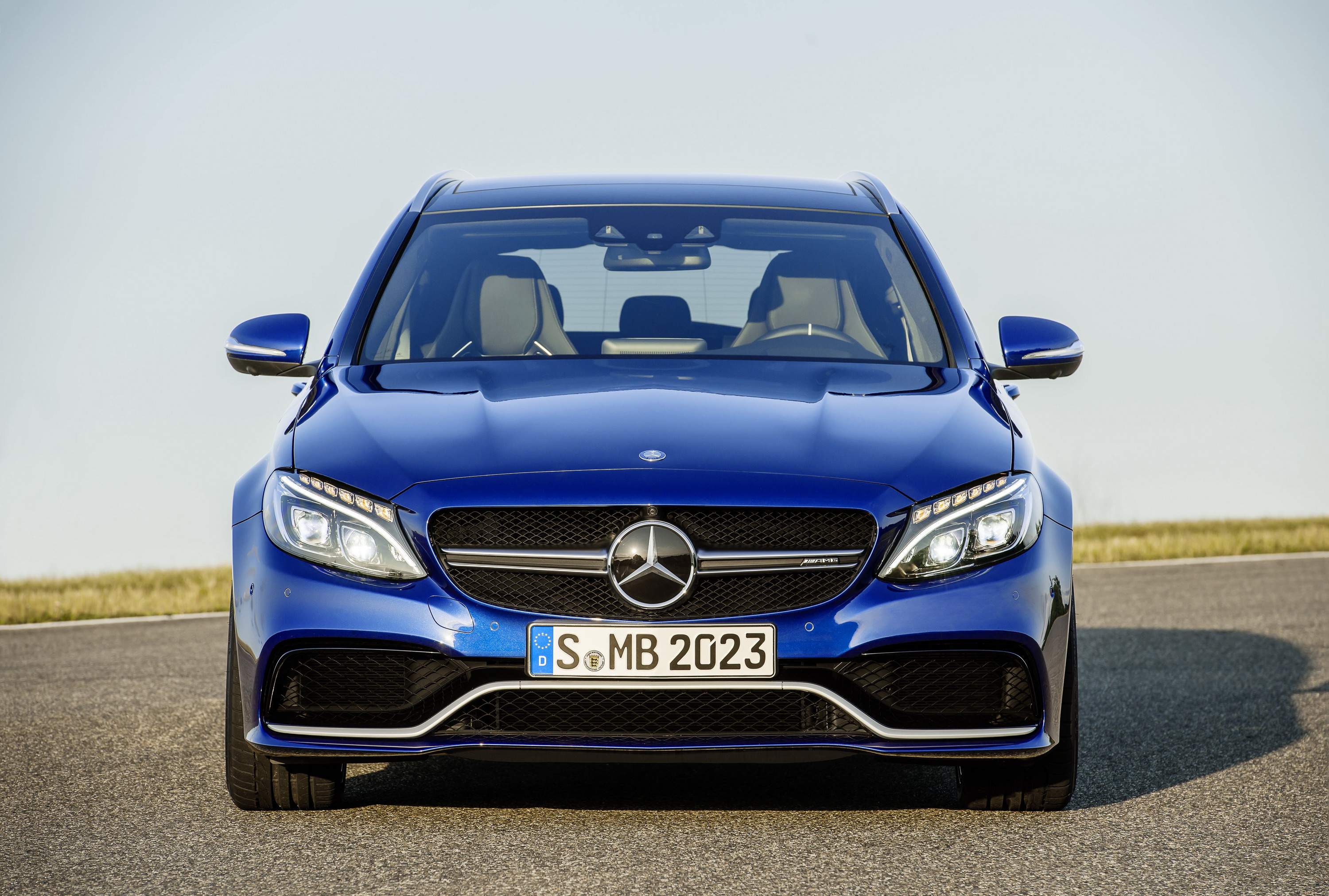 2015 mercedes amg c63 review top speed. Black Bedroom Furniture Sets. Home Design Ideas