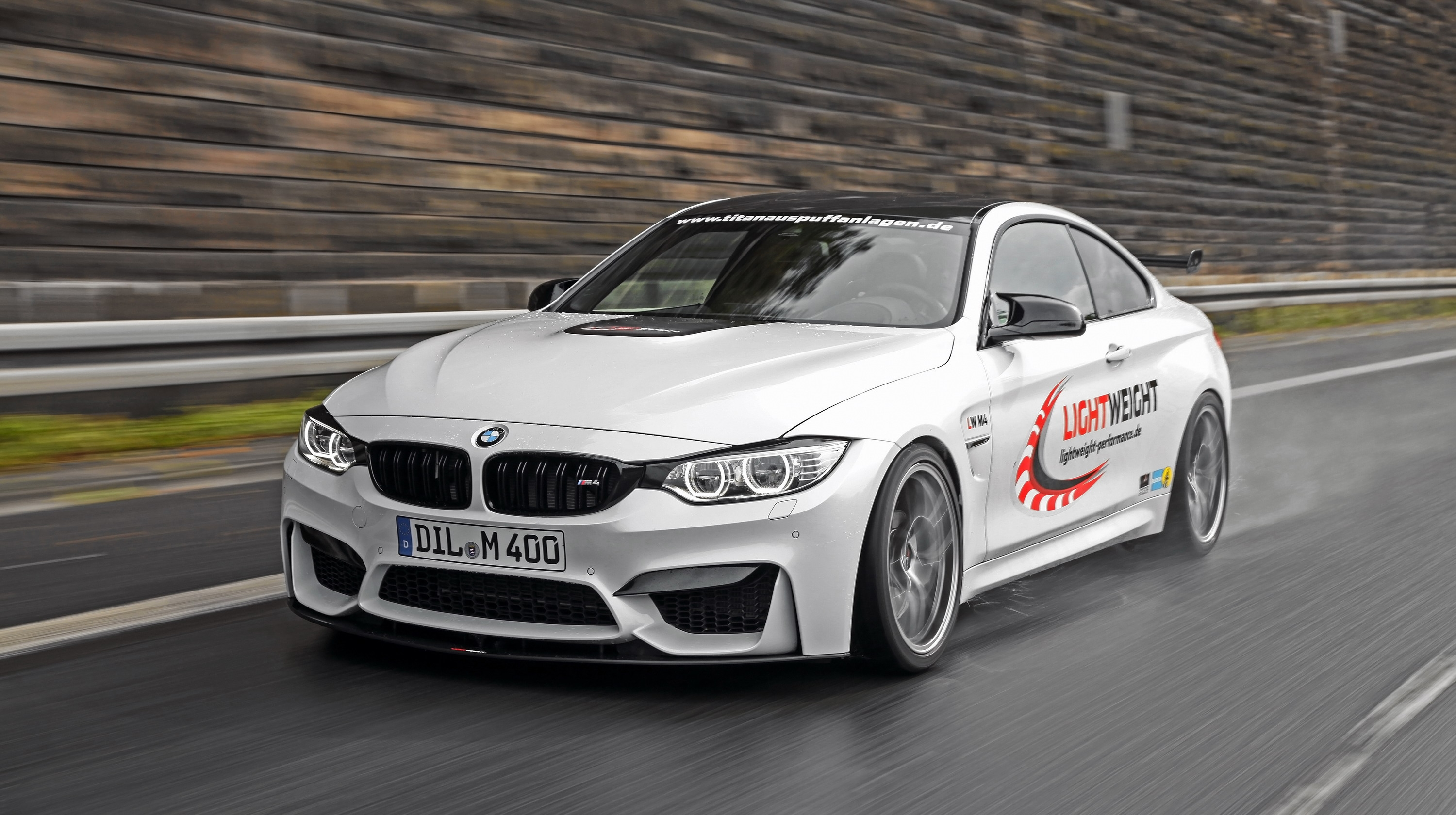 2014 bmw m4 by lightweight review gallery top speed. Black Bedroom Furniture Sets. Home Design Ideas