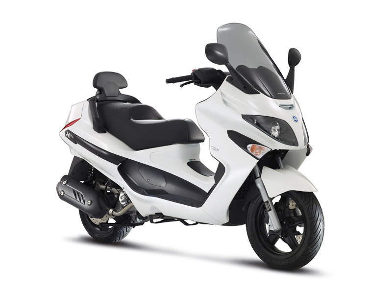 2014 piaggio x evo 125 sport review gallery top speed. Black Bedroom Furniture Sets. Home Design Ideas