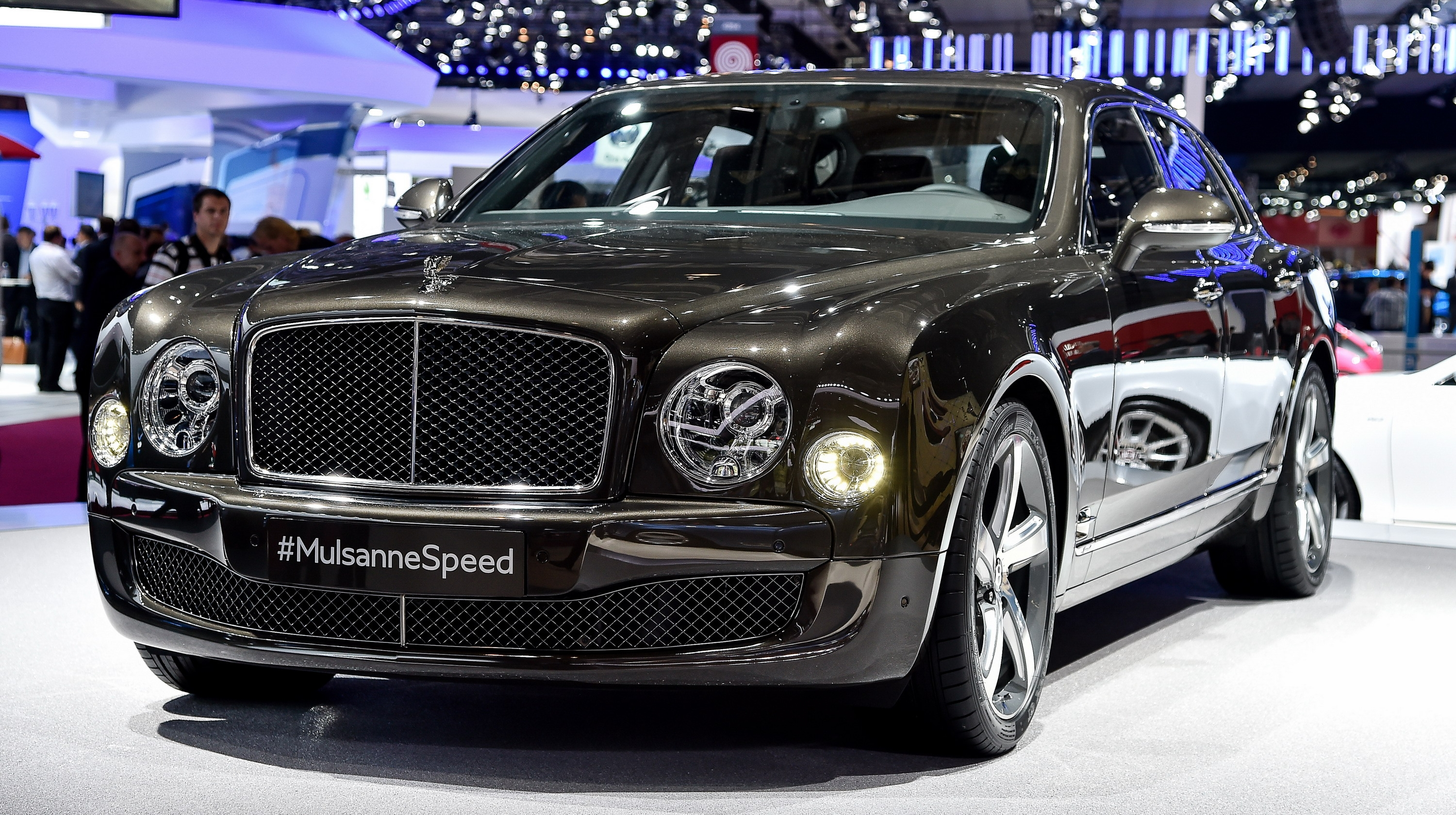 2015 bentley mulsanne speed review gallery top speed the modern bentley mulsanne came to be in 2010 when the british luxury firm introduced it as a replacement for the rolls royce era arnage vanachro Image collections