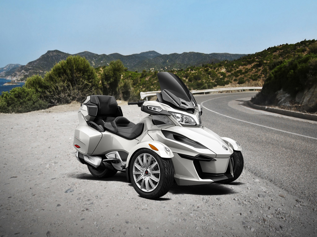 Can Am Trike >> 2015 Can-Am Spyder RT Review - Top Speed